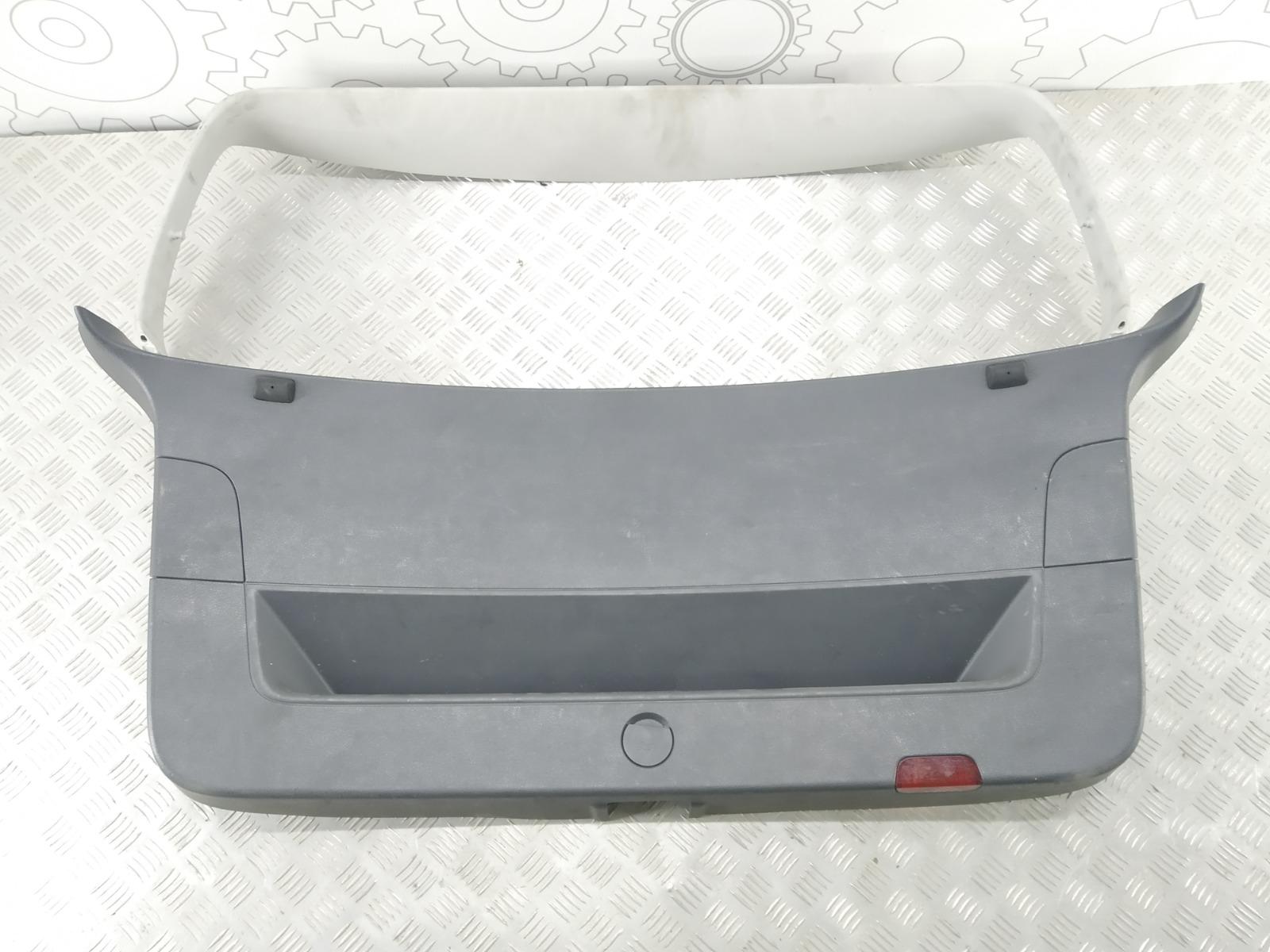 Обшивка крышки багажника Volkswagen Golf Plus 1.9 TDI 2007 (б/у)