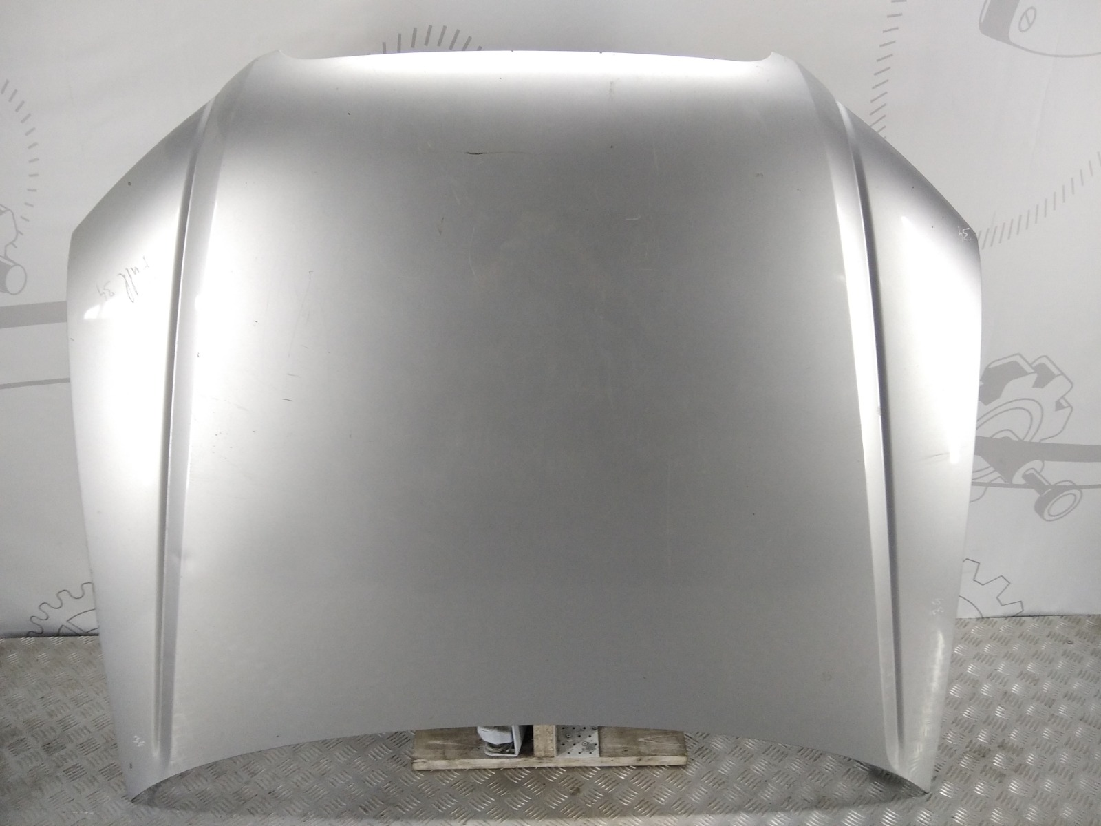 Капот Audi A4 B7 2.0 TFSI 2006 (б/у)