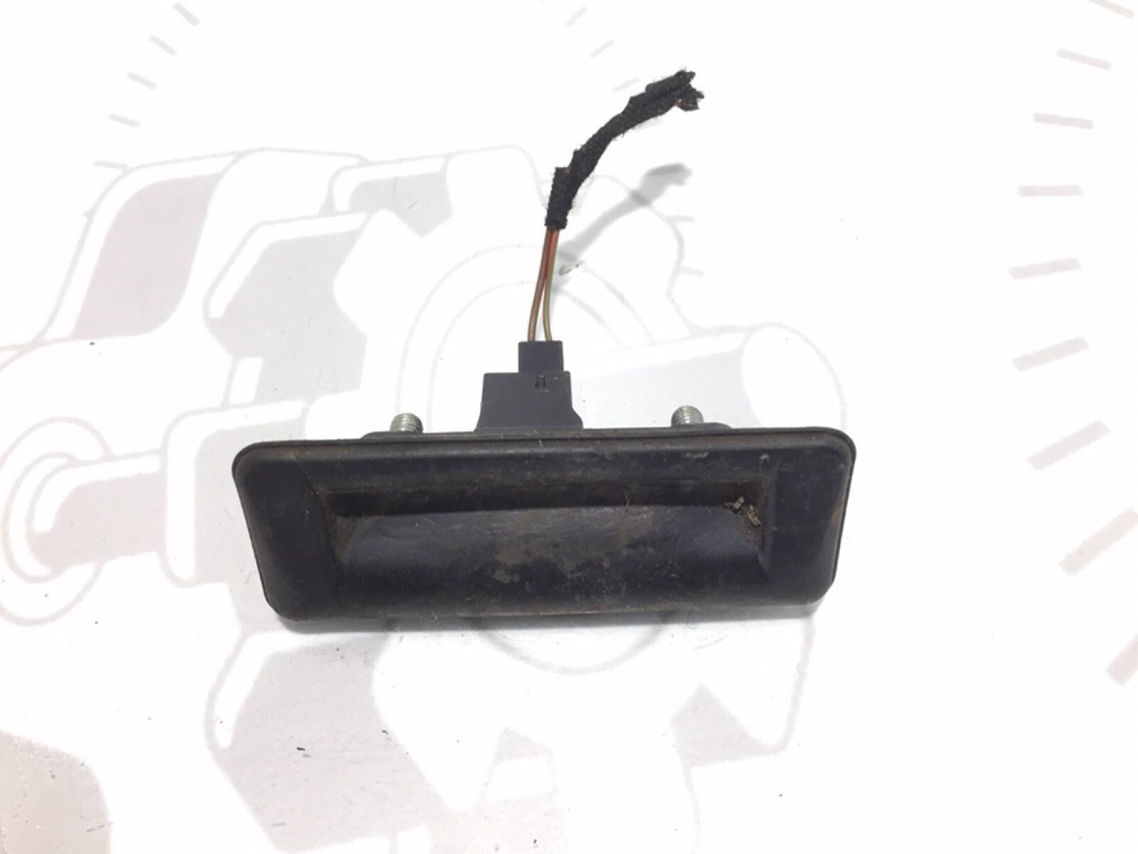 Кнопка открытия багажника Skoda Roomster 5J 1.4 TDI 2008 (б/у)