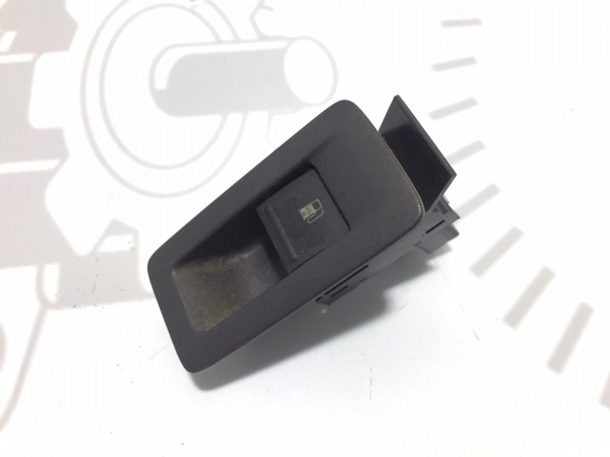 Кнопка открытия лючка топливного бака Volkswagen Golf Plus 1.9 TDI 2005 (б/у)