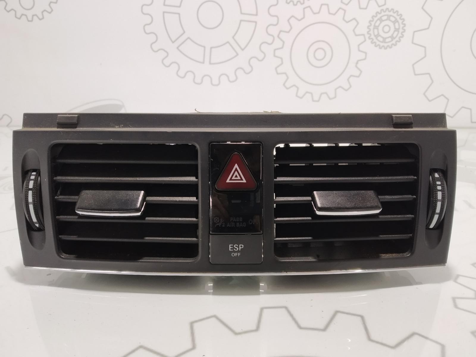 Дефлектор обдува салона Mercedes C W204 2.2 CDI 2008 (б/у)