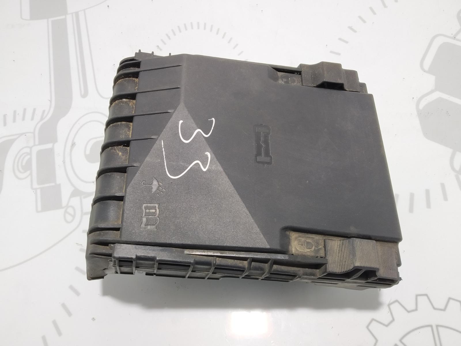 Блок предохранителей Volkswagen Golf 5 2.0 TDI 2004 (б/у)
