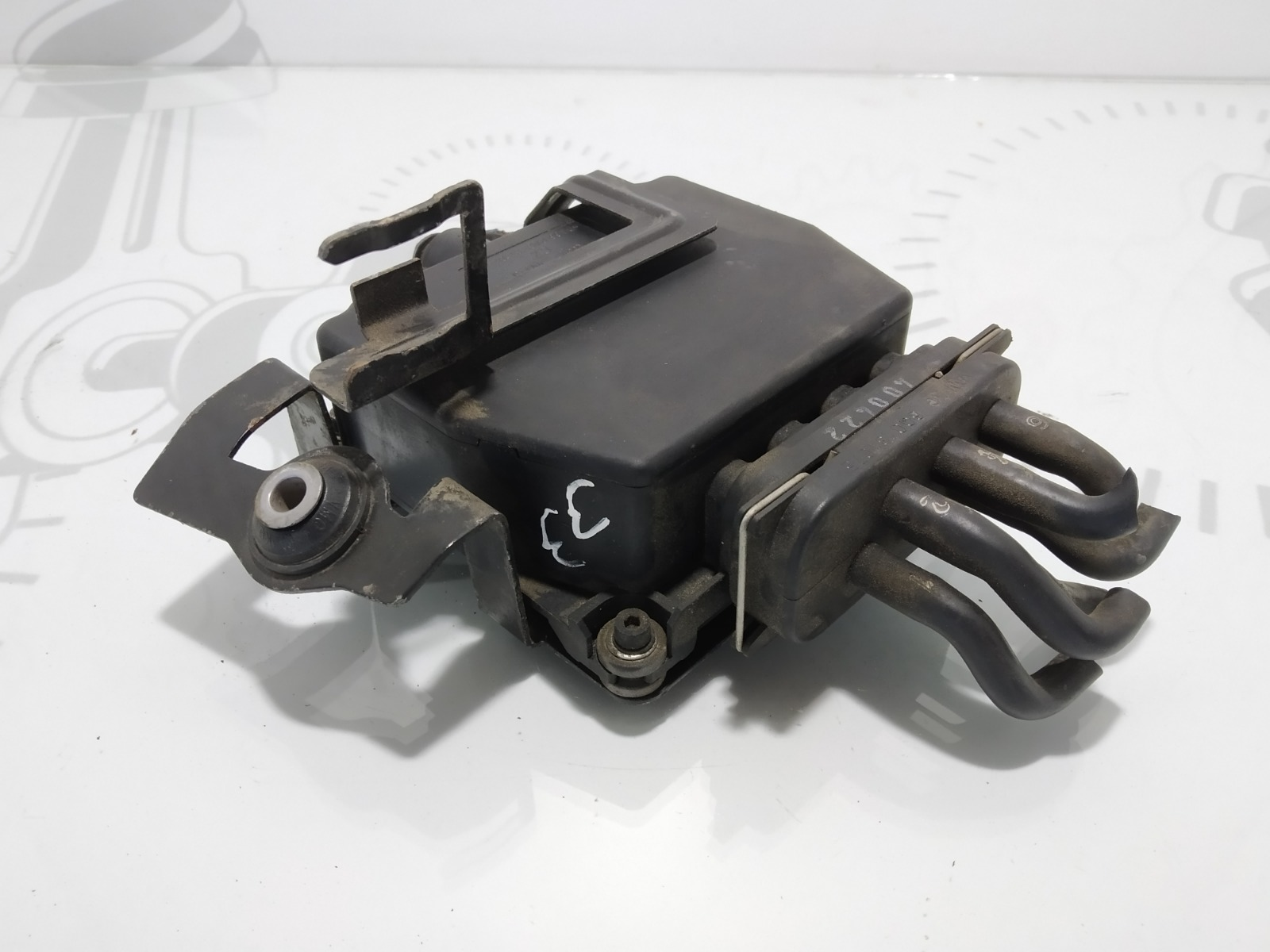 Клапан электромагнитный Volkswagen Golf 5 2.0 TDI 2004 (б/у)