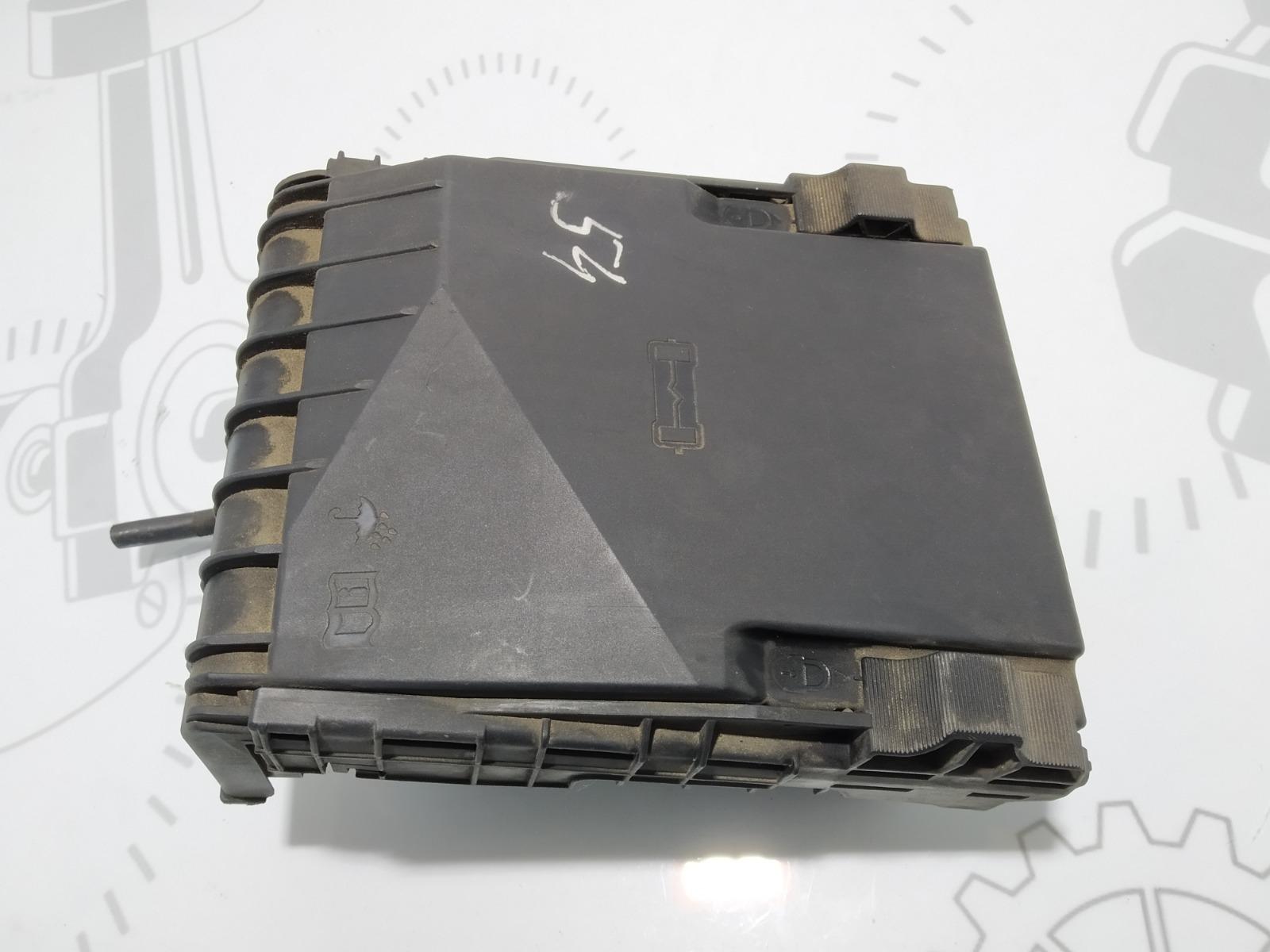 Блок предохранителей Volkswagen Passat B6 2.0 TDI 2009 (б/у)