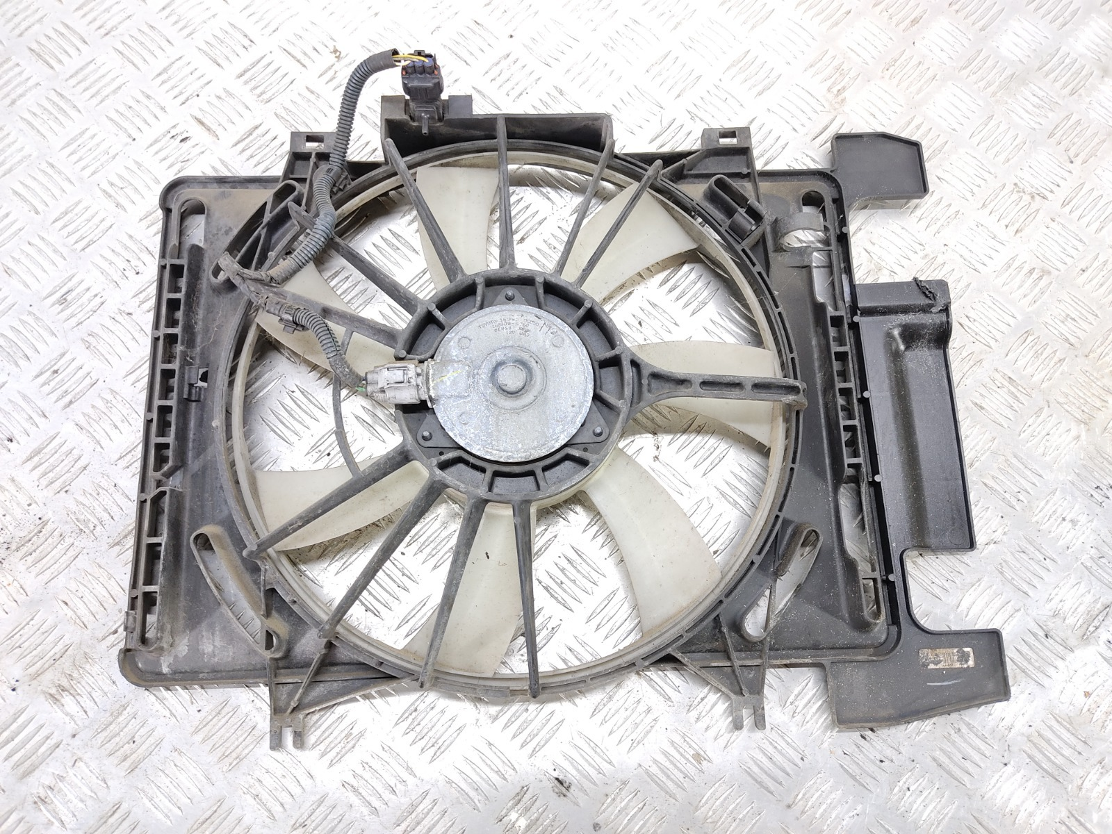 Вентилятор радиатора Toyota Yaris XP9 1.4 D-4D 2006 (б/у)