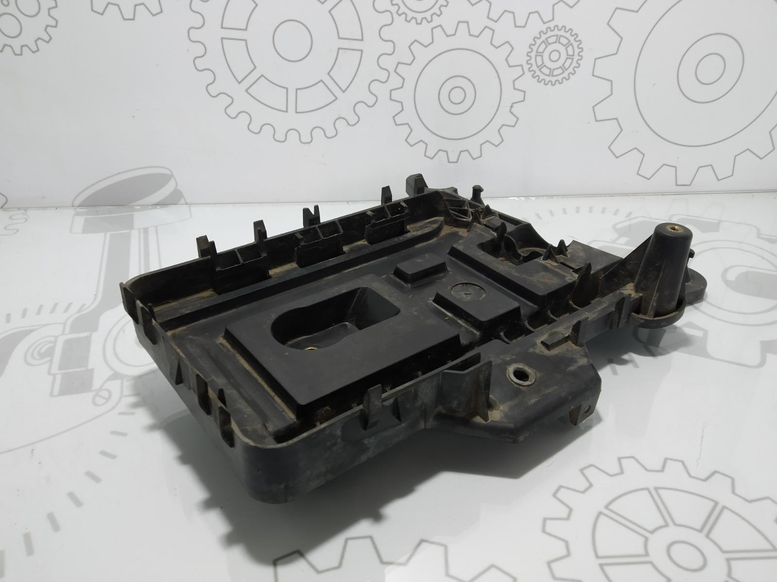 Полка аккумулятора Seat Altea 1.9 TDI 2008 (б/у)
