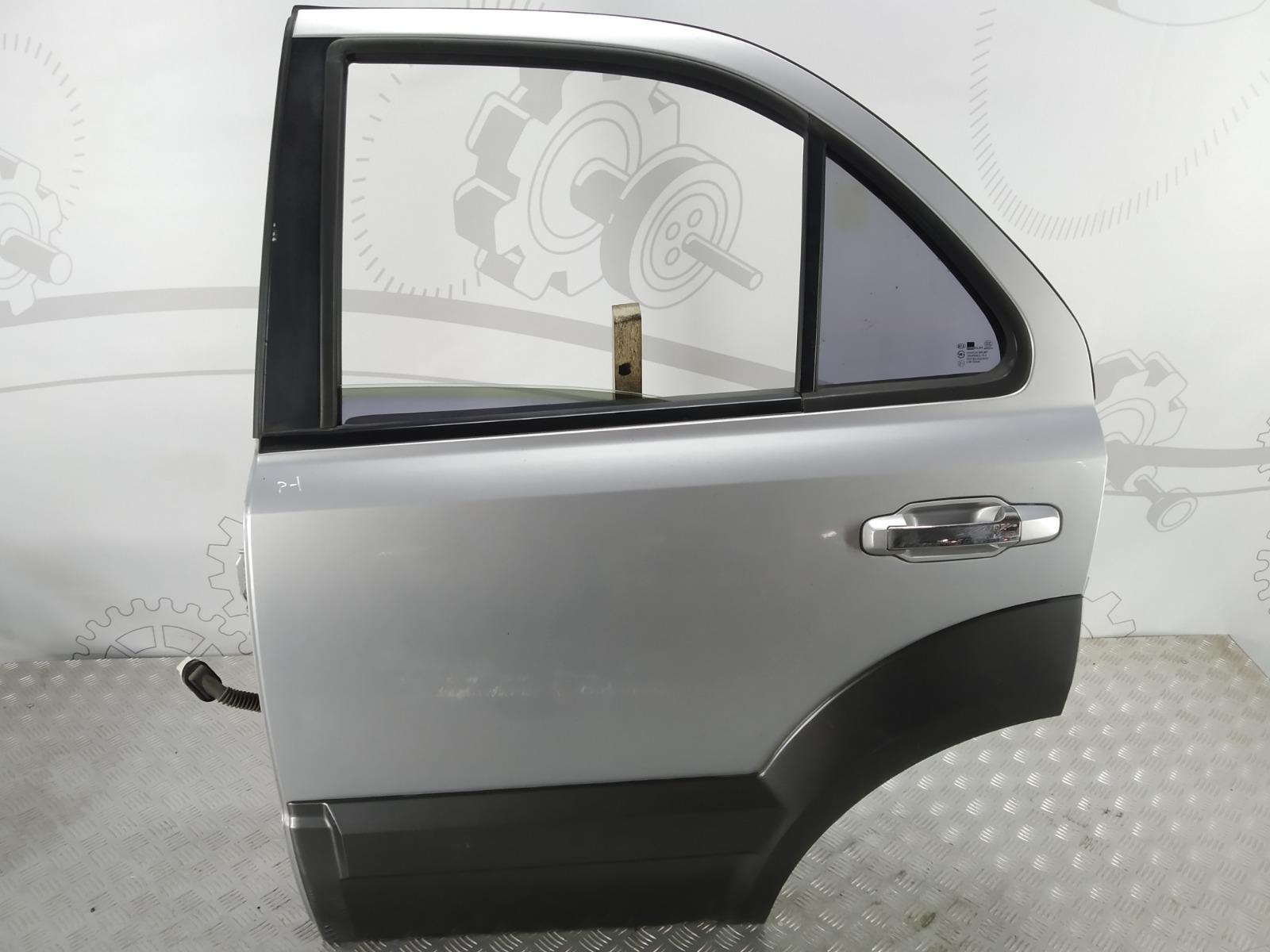 Дверь задняя левая Kia Sorento 2.5 CRDI 2004 (б/у)