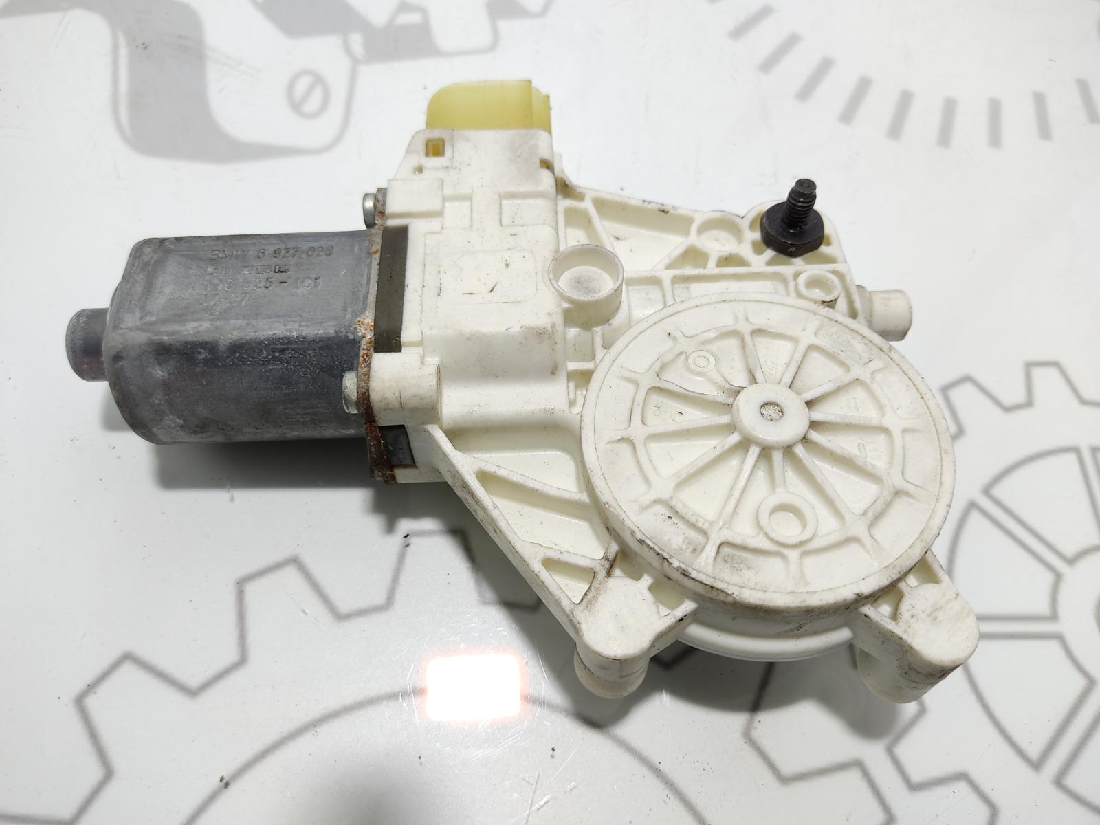 Моторчик стеклоподъемника передний правый Bmw 1 E87 1.6 I 2007 (б/у)