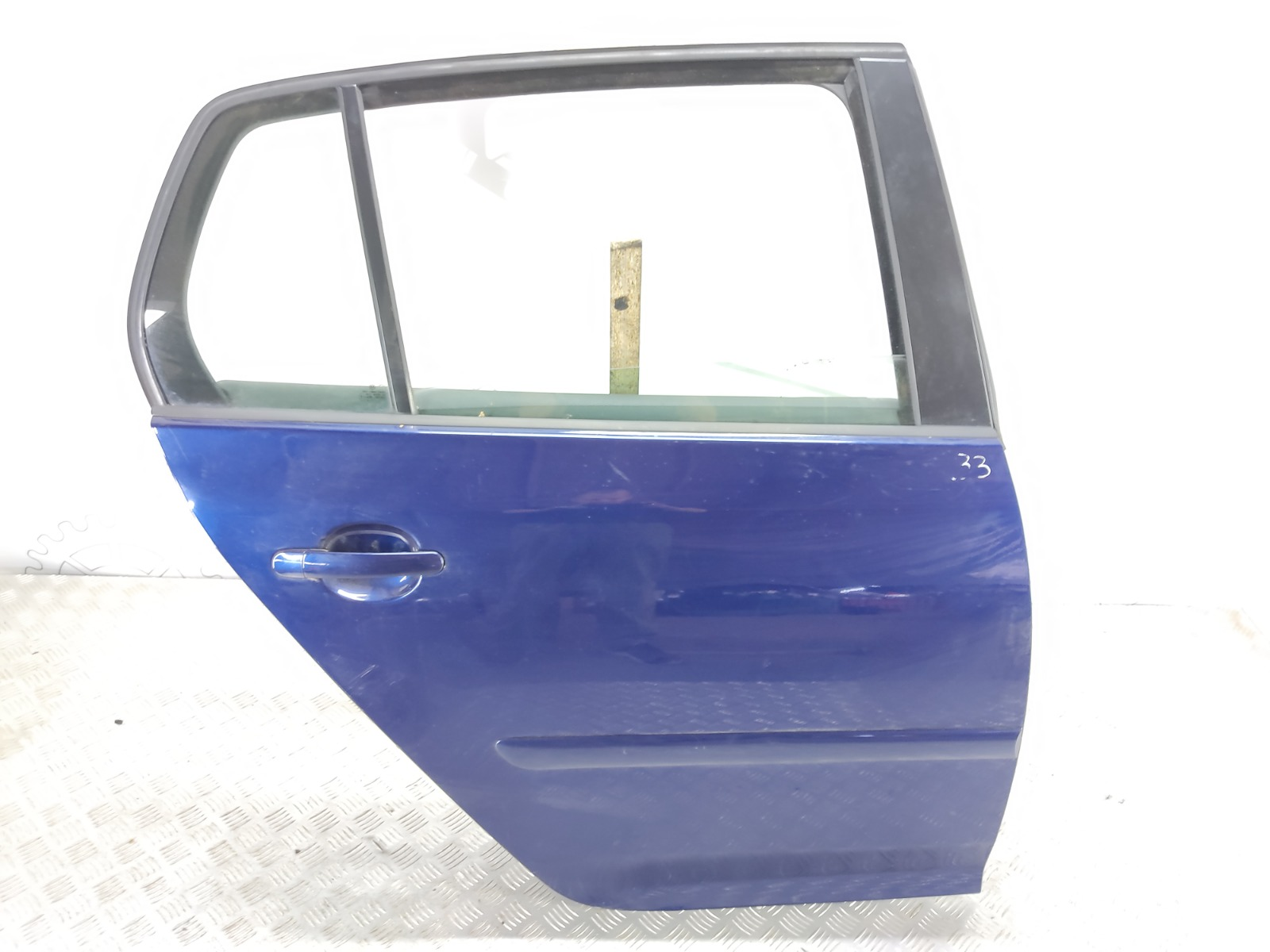 Дверь задняя правая Volkswagen Golf 5 2.0 TDI 2004 (б/у)