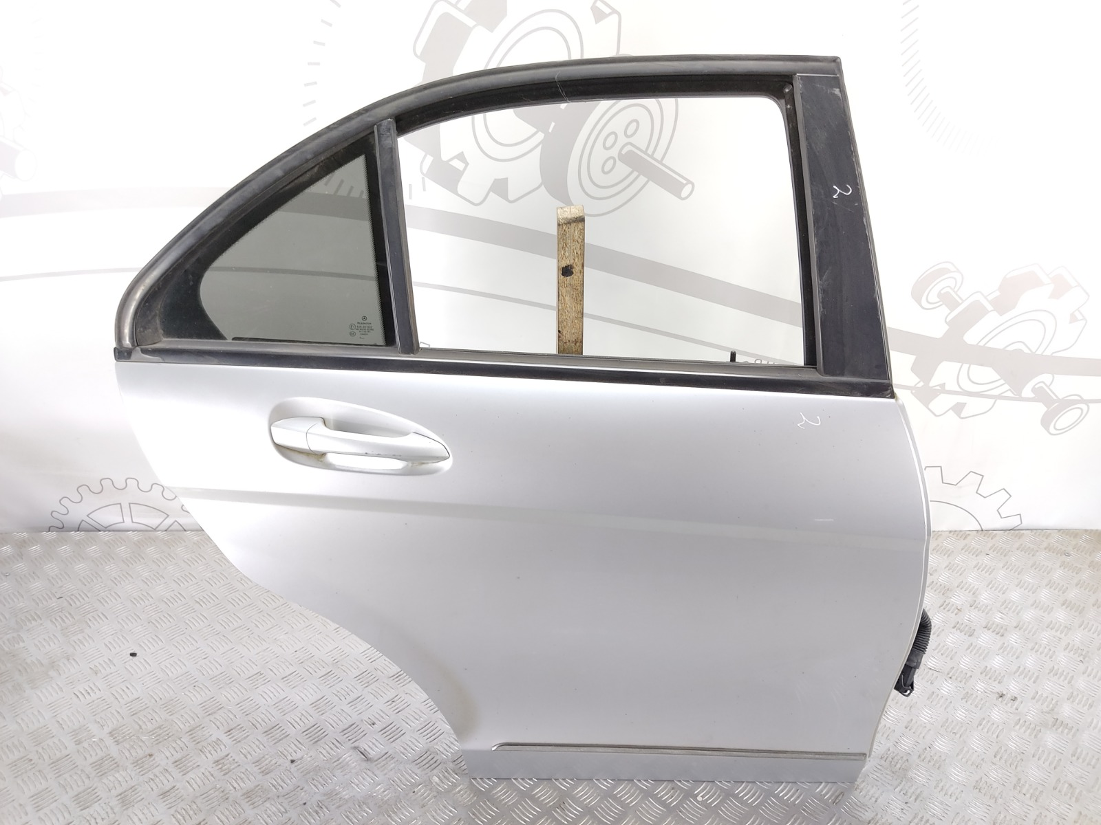Дверь задняя правая Mercedes C W204 2.2 CDI 2008 (б/у)
