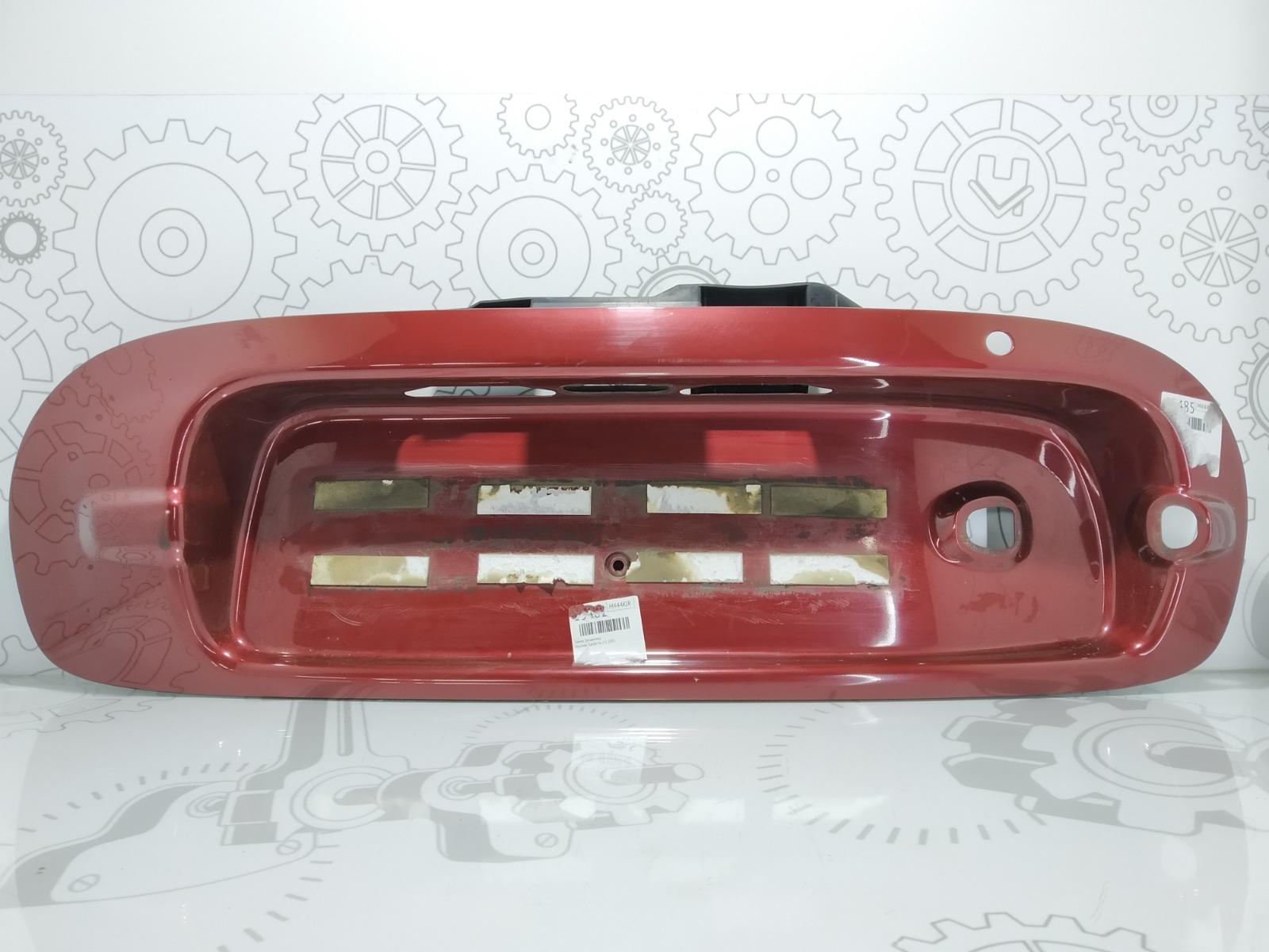 Накладка двери (крышки) багажника Hyundai Santa Fe 2.0 2003 (б/у)