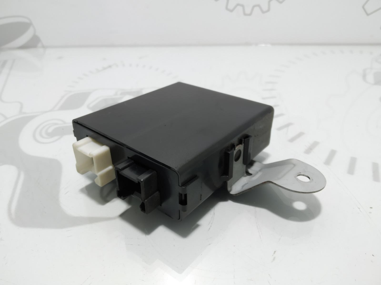 Блок управления крышкой багажника Hyundai Santa Fe 2.0 2003 (б/у)