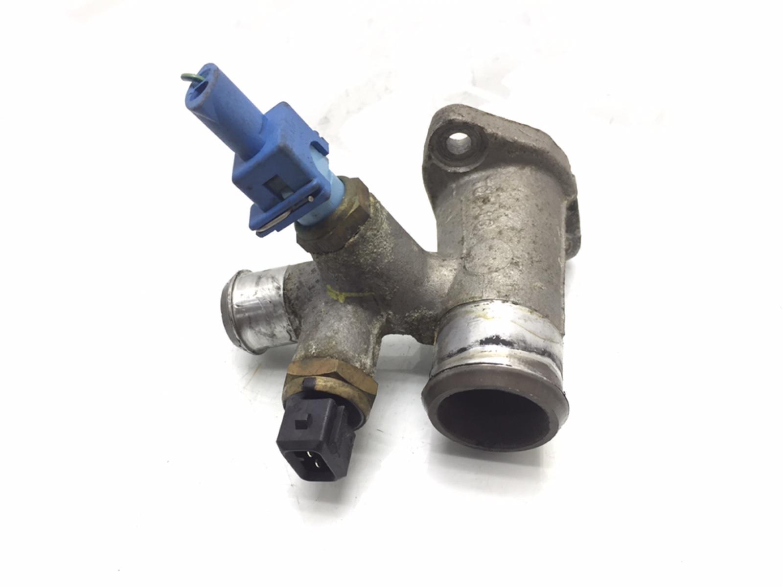 Фланец (тройник) системы охлаждения Rover 45 1.6 I 2002 (б/у)