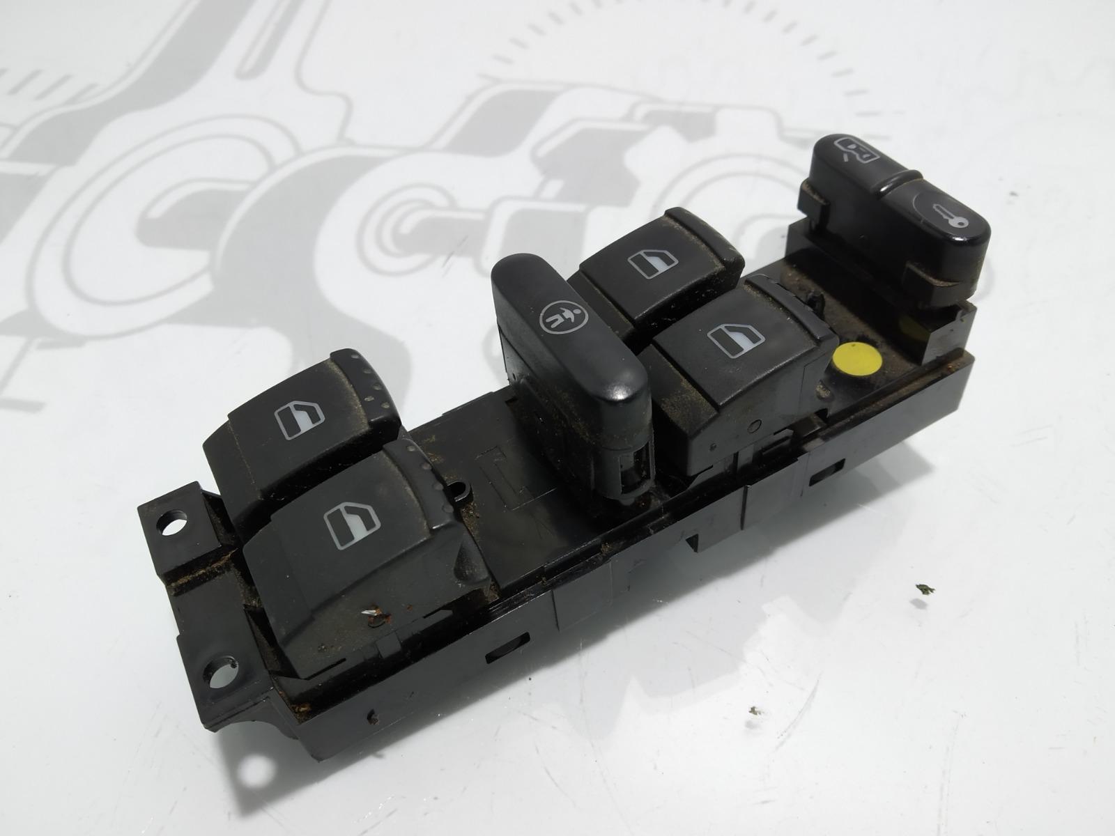 Кнопка стеклоподъемника Volkswagen Passat B5 2.0 I 2001 (б/у)