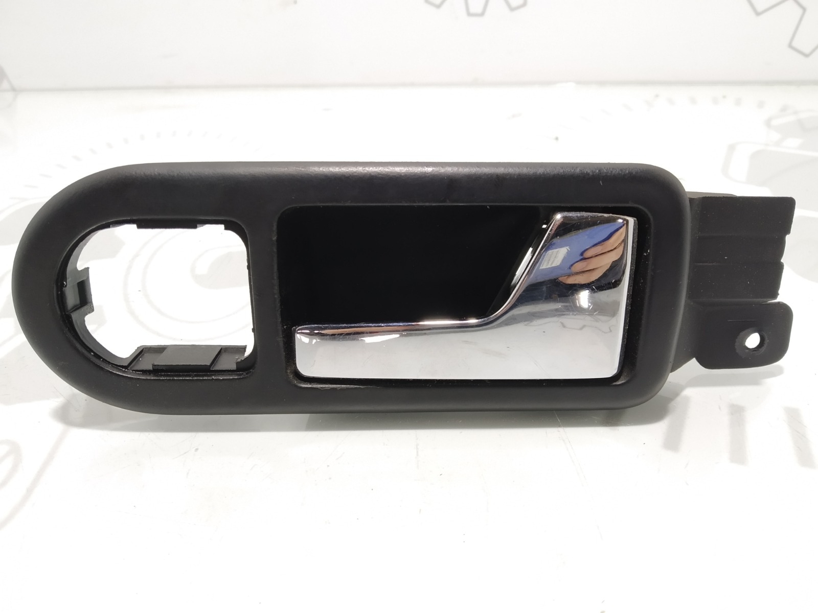 Ручка внутренняя передняя правая Volkswagen Passat B5 2.0 I 2001 (б/у)
