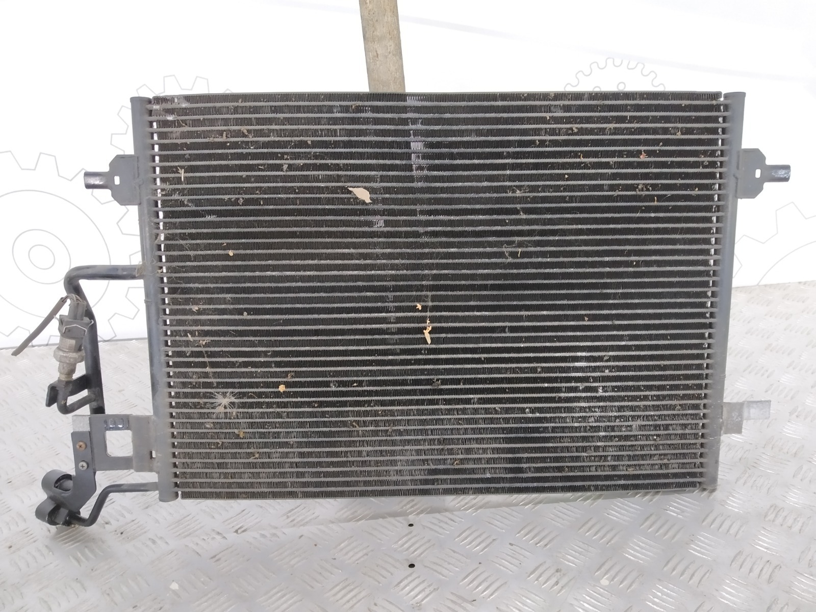 Радиатор кондиционера Volkswagen Passat B5 1.9 TDI 2002 (б/у)