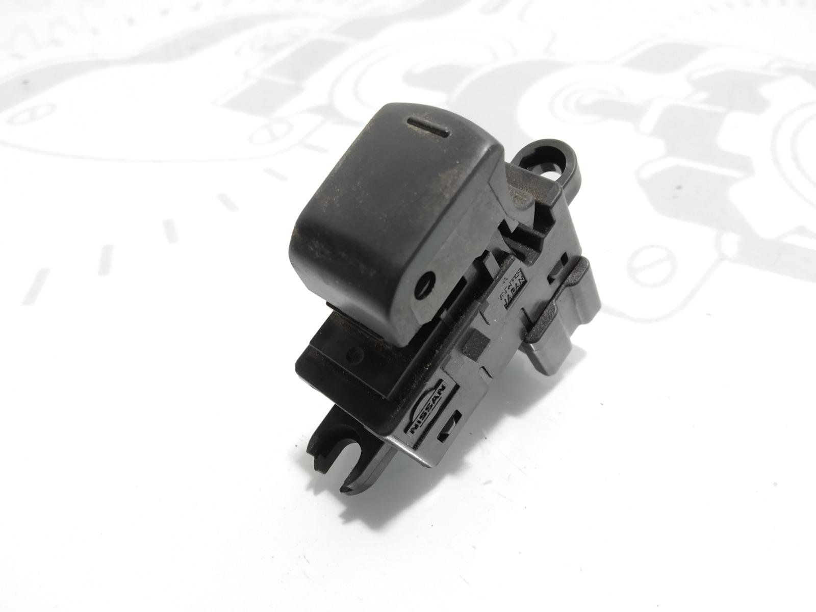 Кнопка стеклоподъемника Nissan Qashqai 1.5 DCI 2007 (б/у)