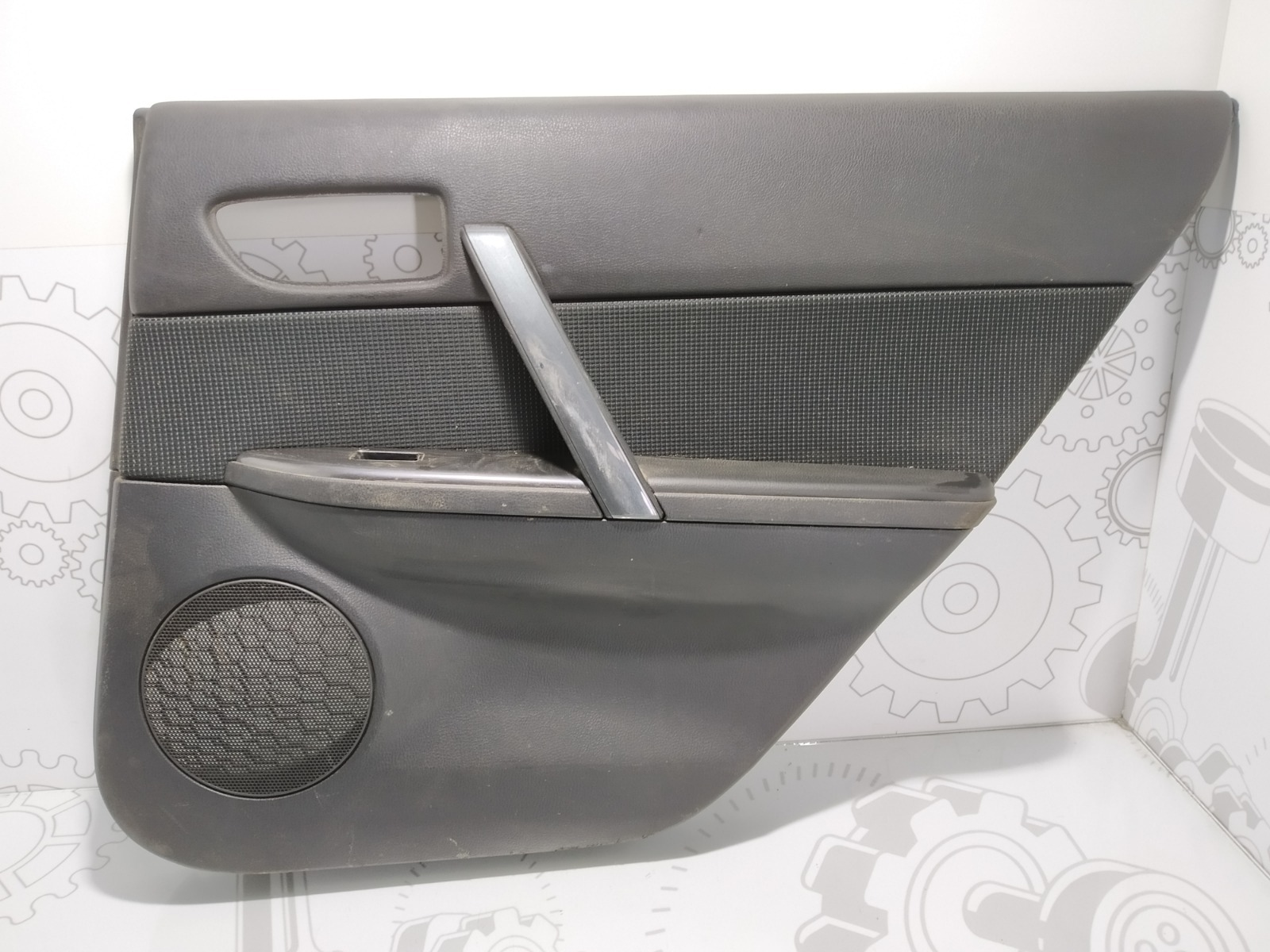 Обшивка двери задней правой (дверная карта) Mazda 6 2.0 I 2006 (б/у)