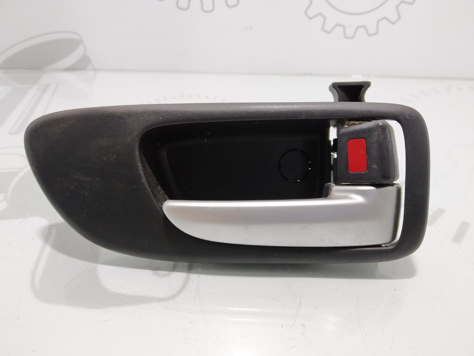 Ручка внутренняя задняя правая Mazda 6 2.0 I 2006 (б/у)