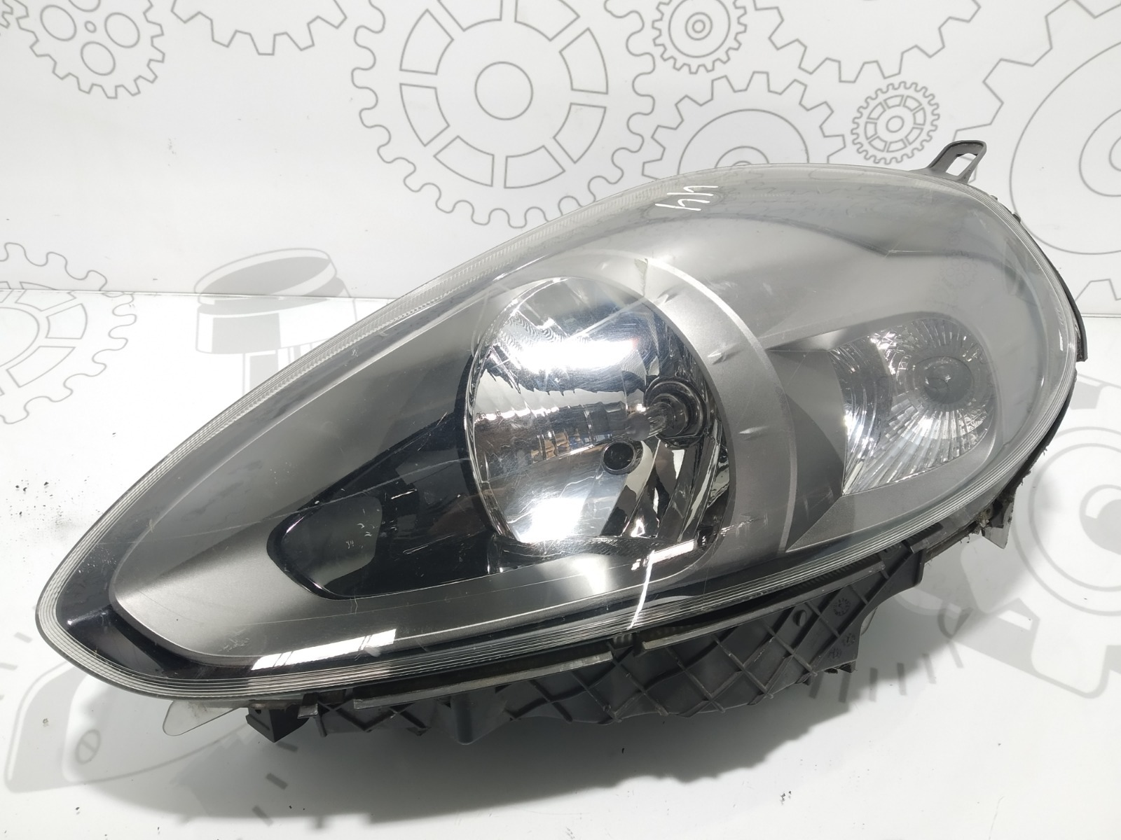 Фара левая Fiat Punto 1.4 I 2011 (б/у)