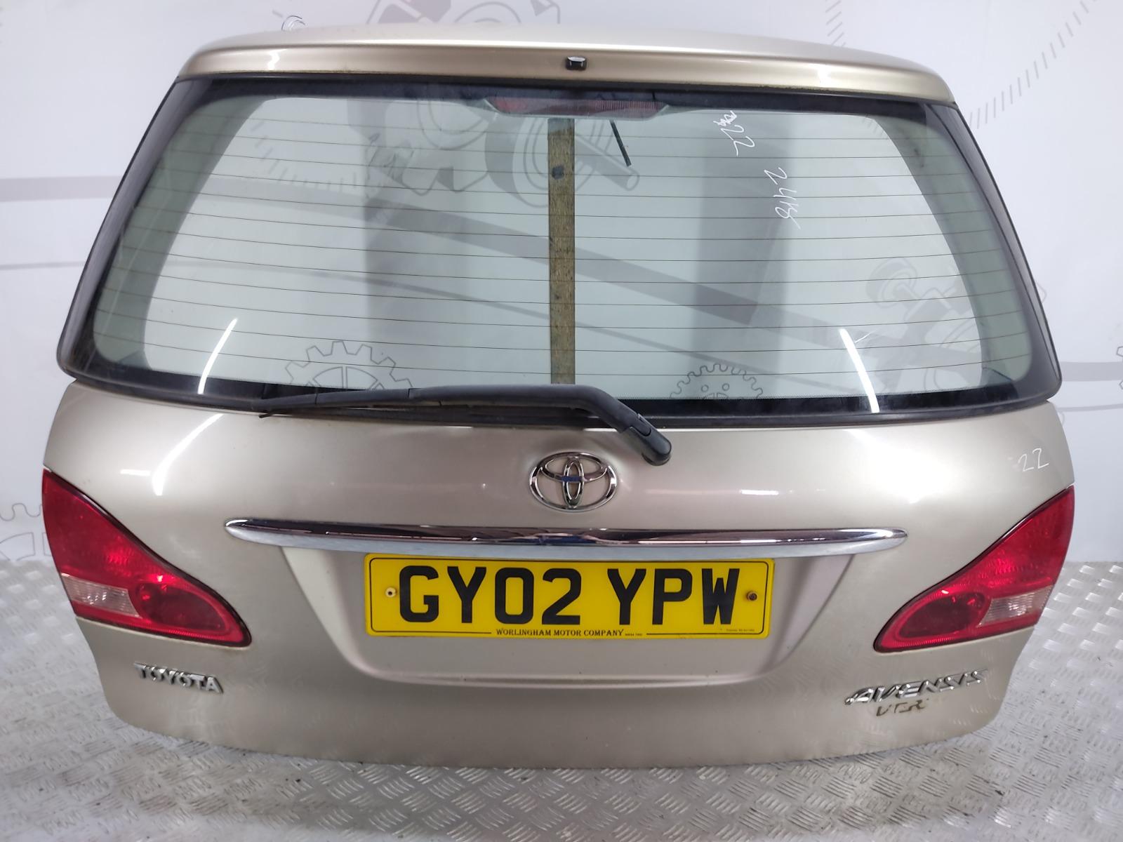 Крышка багажника (дверь 3-5) Toyota Avensis Verso 2.0 D-4D 2002 (б/у)