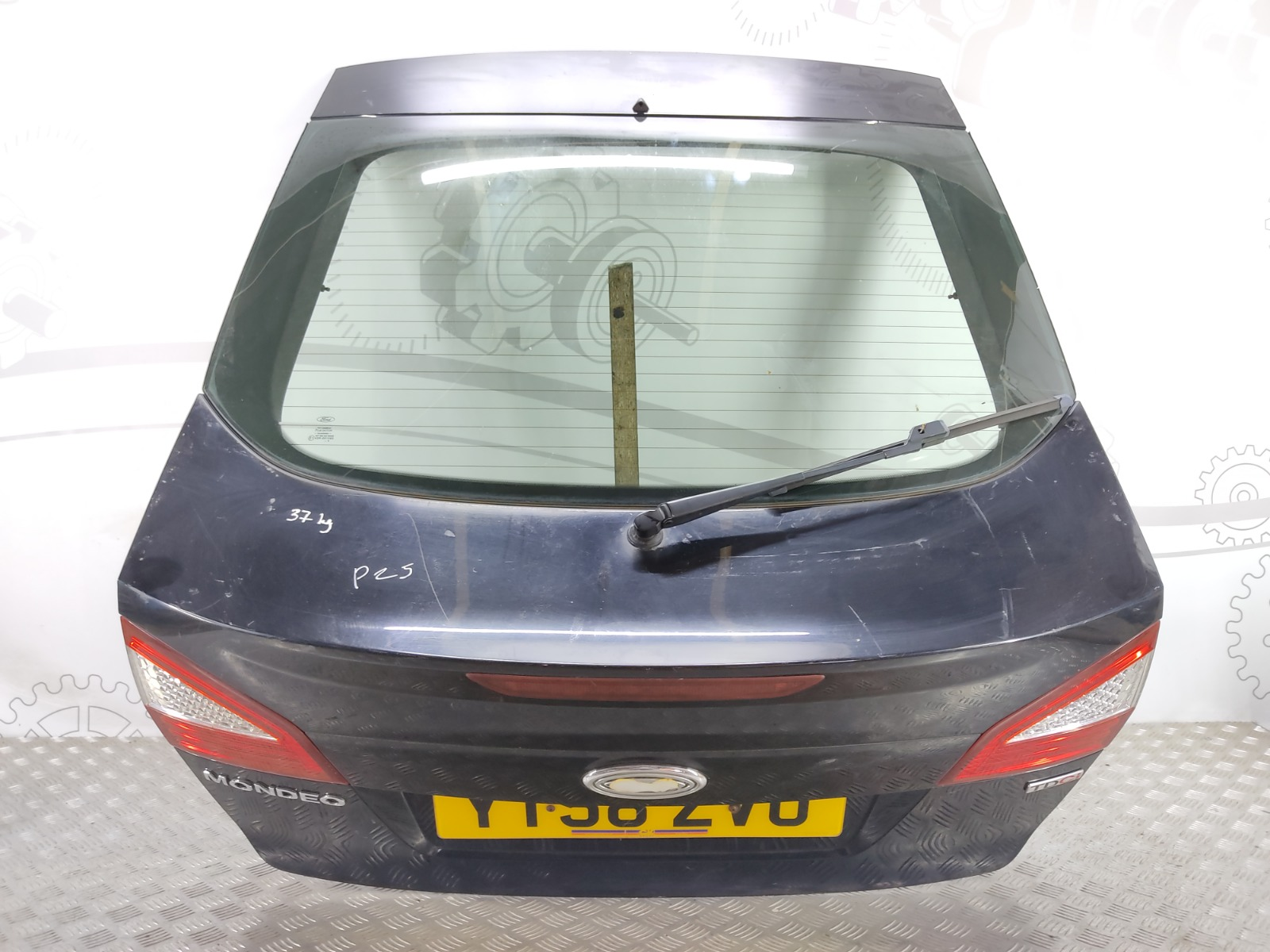 Крышка багажника (дверь 3-5) Ford Mondeo 1.8 TDCI 2008 (б/у)