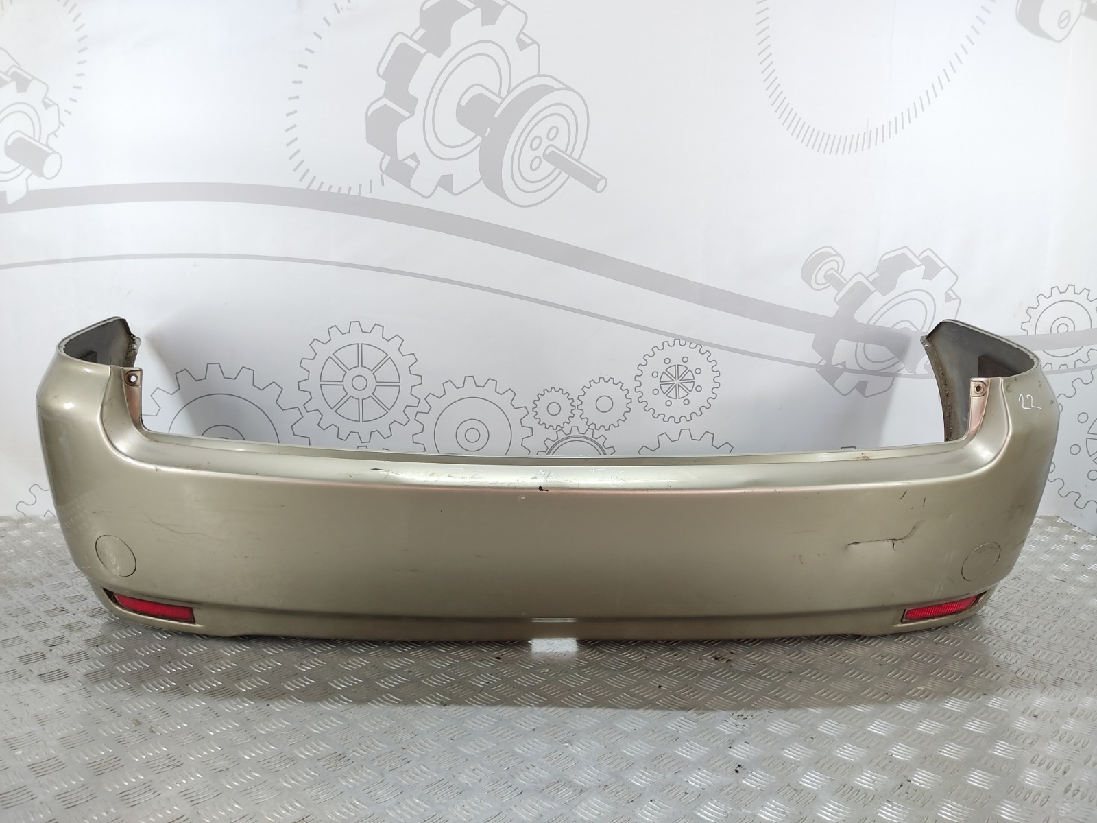Бампер задний Toyota Avensis Verso 2.0 D-4D 2002 (б/у)