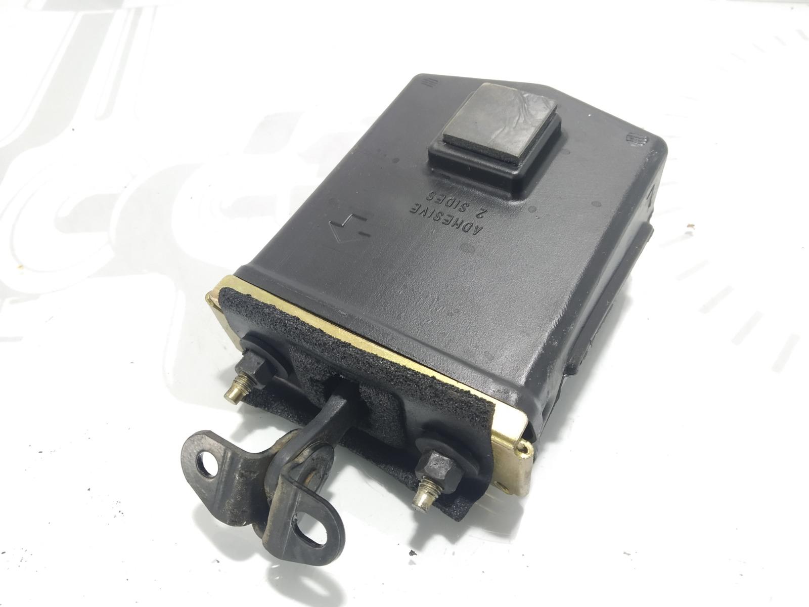 Ограничитель открывания двери Chrysler Pt-Cruiser 2.0 I 2003 (б/у)