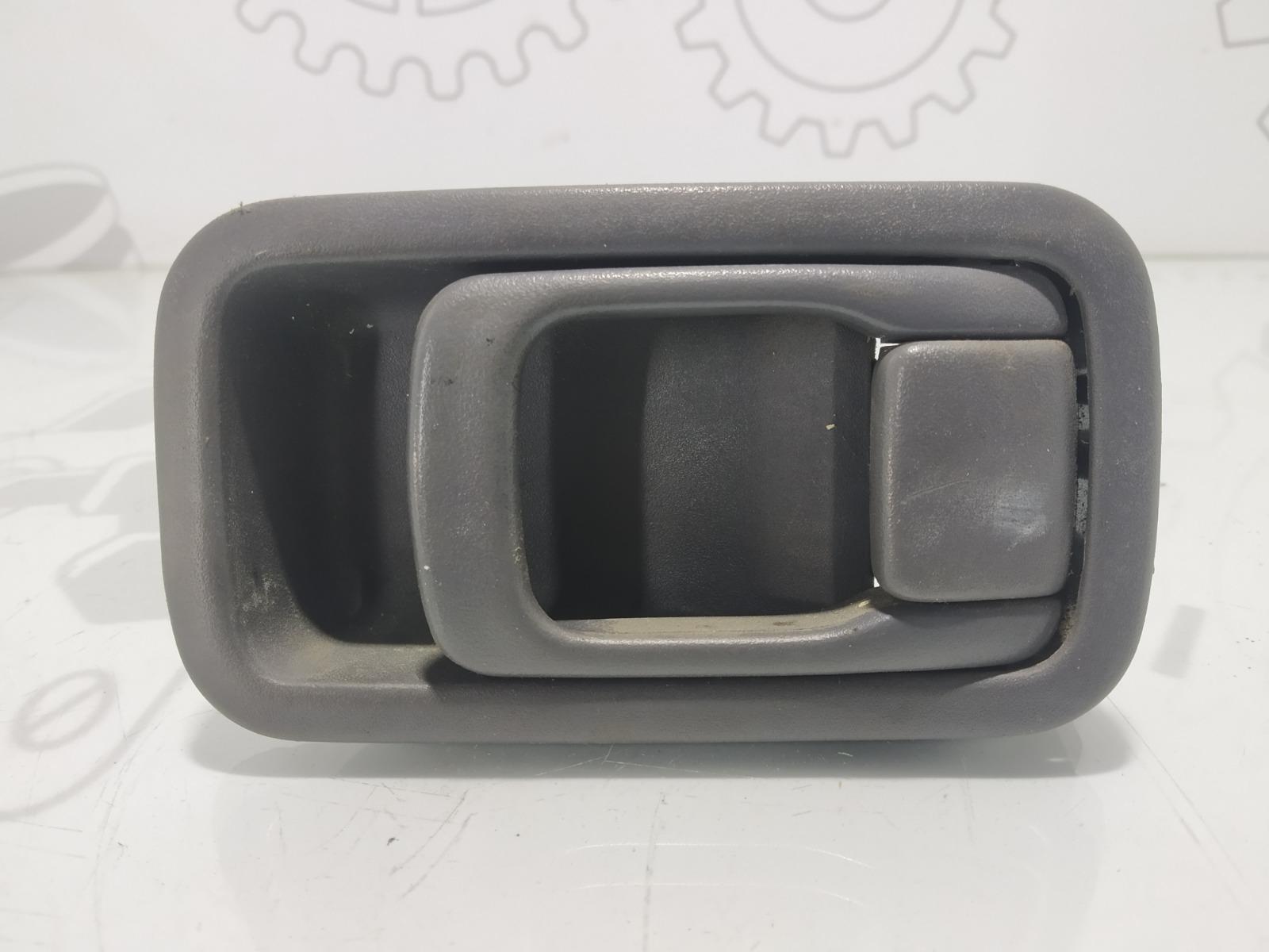 Ручка внутренняя передняя правая Nissan Vanette C23 2.3 D 2001 (б/у)