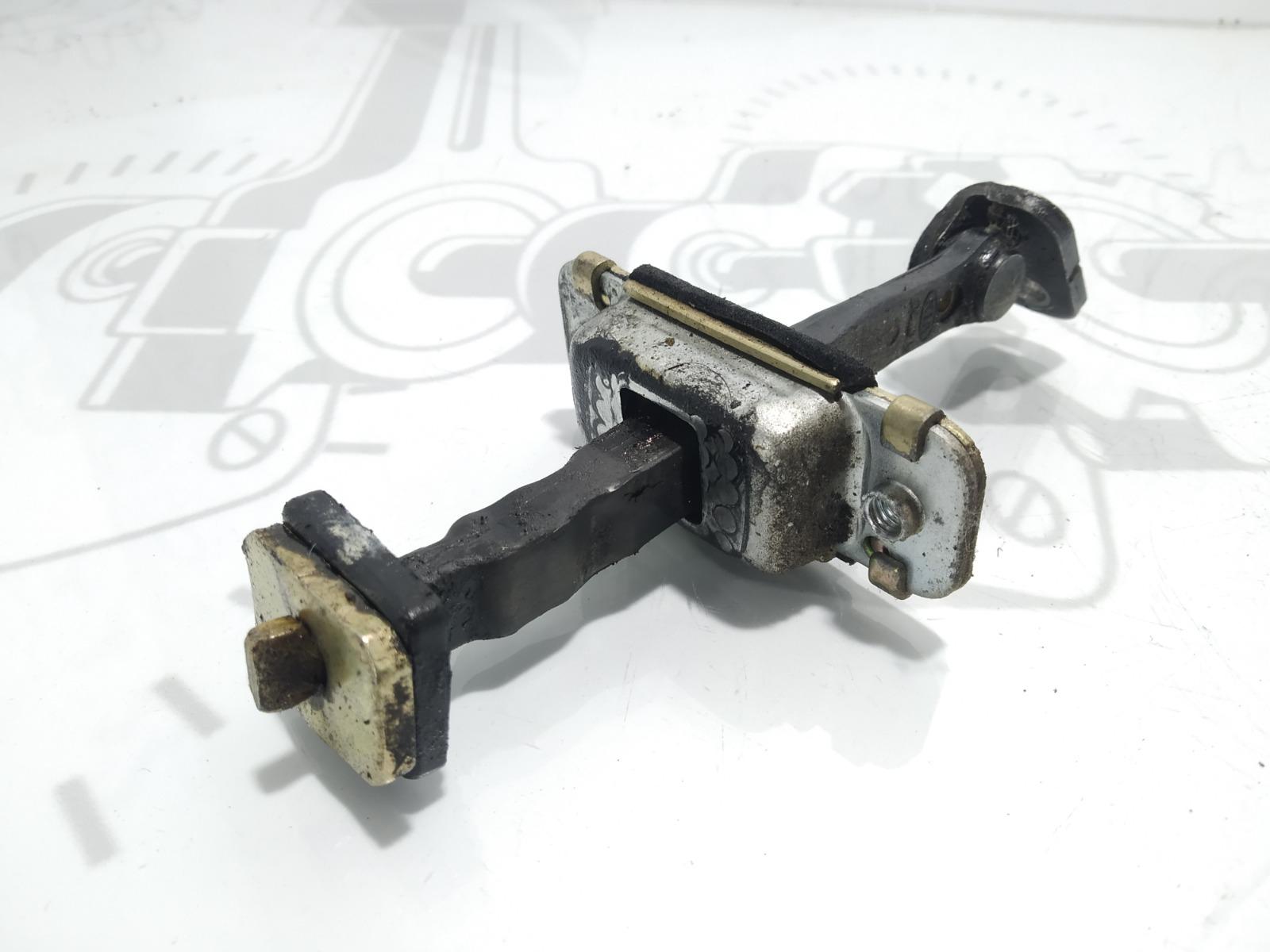 Ограничитель открывания двери Kia Sorento 2.5 CRDI 2004 (б/у)