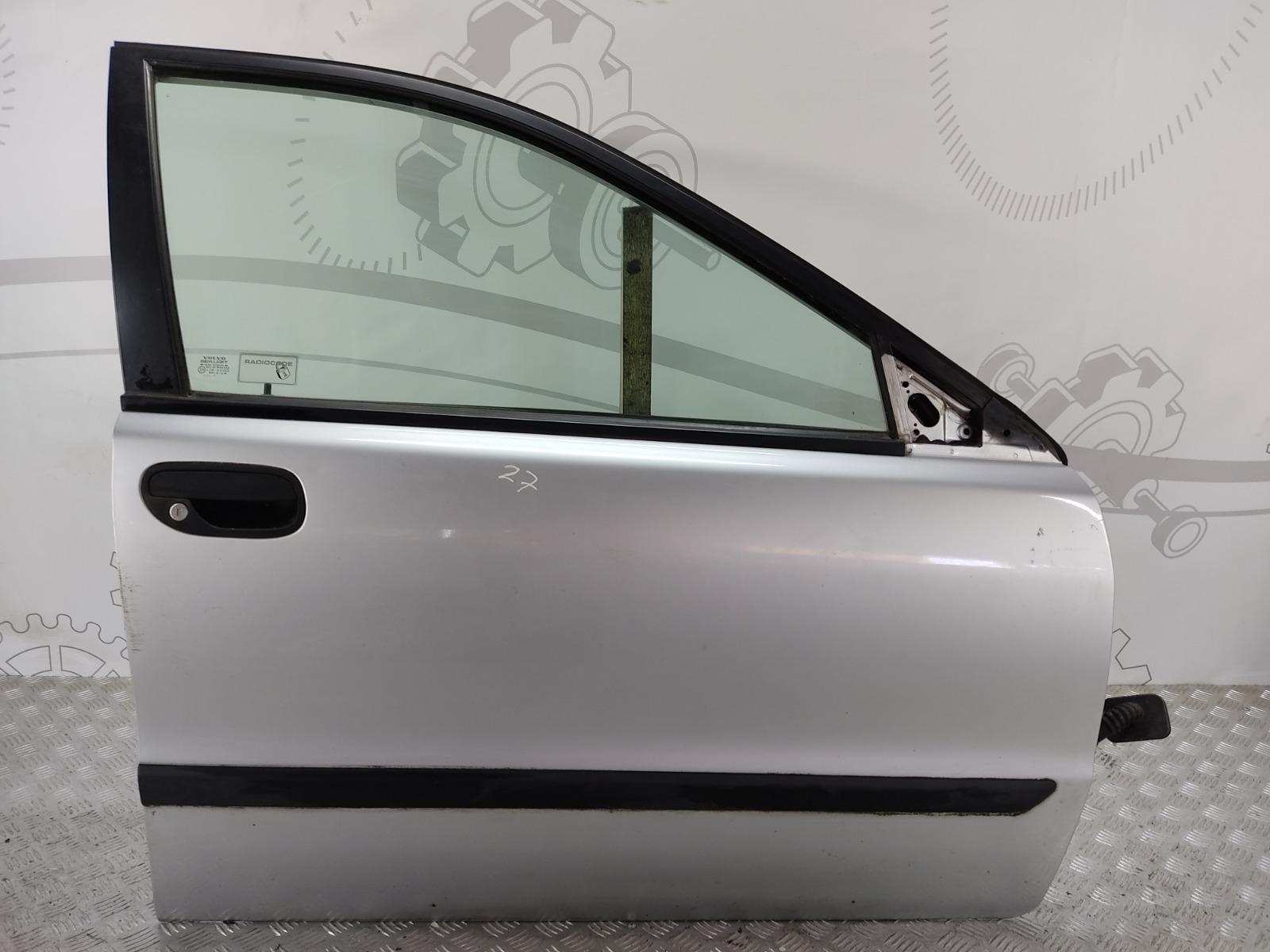 Дверь передняя правая Volvo S40 1.8 I 2001 (б/у)