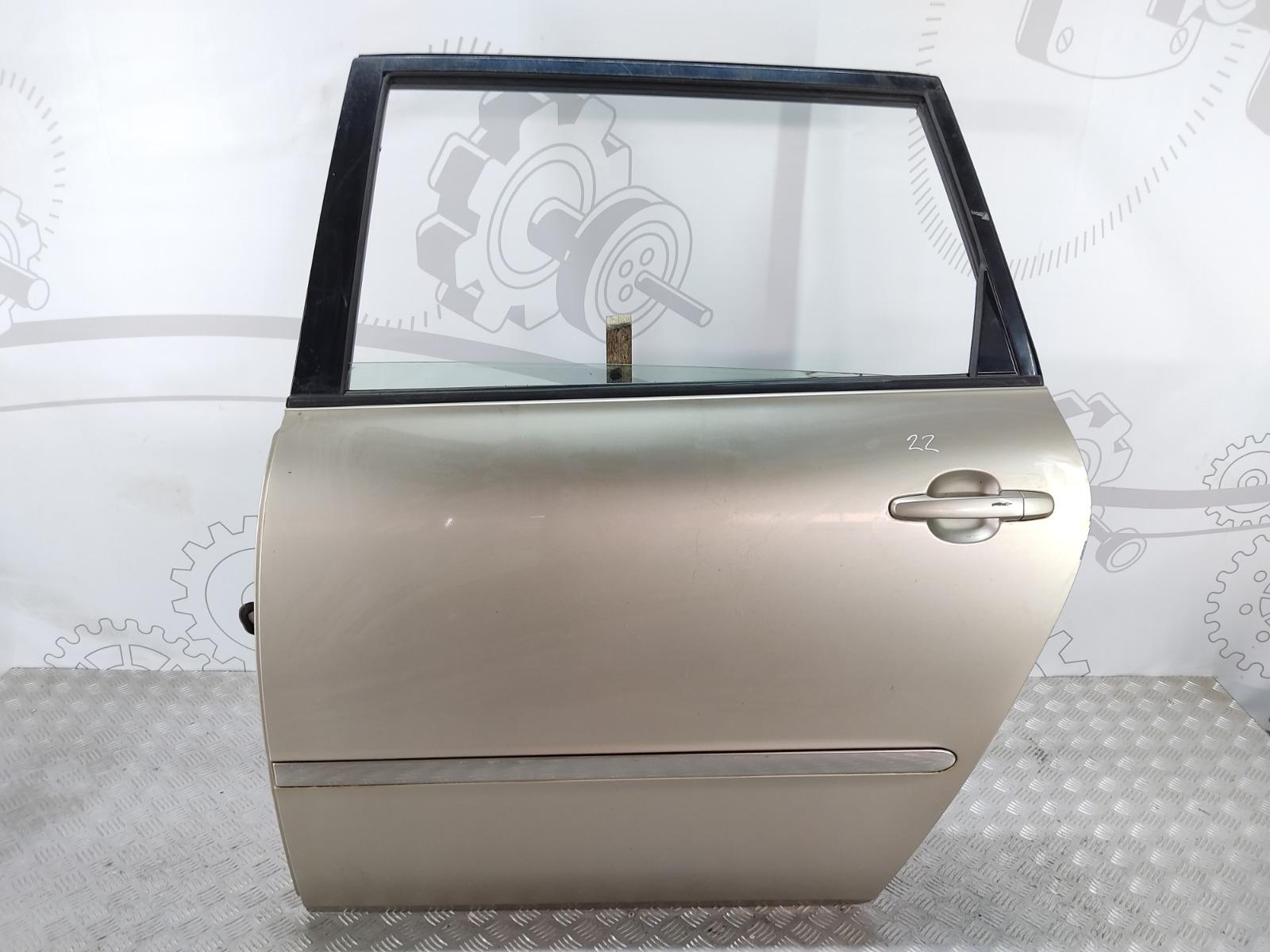 Дверь задняя левая Toyota Avensis Verso 2.0 D-4D 2002 (б/у)