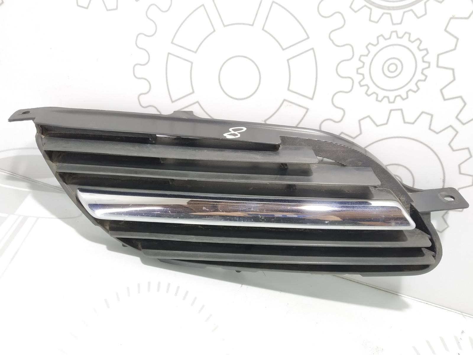 Решетка радиатора Nissan Almera Tino 1.8 I 2005 (б/у)