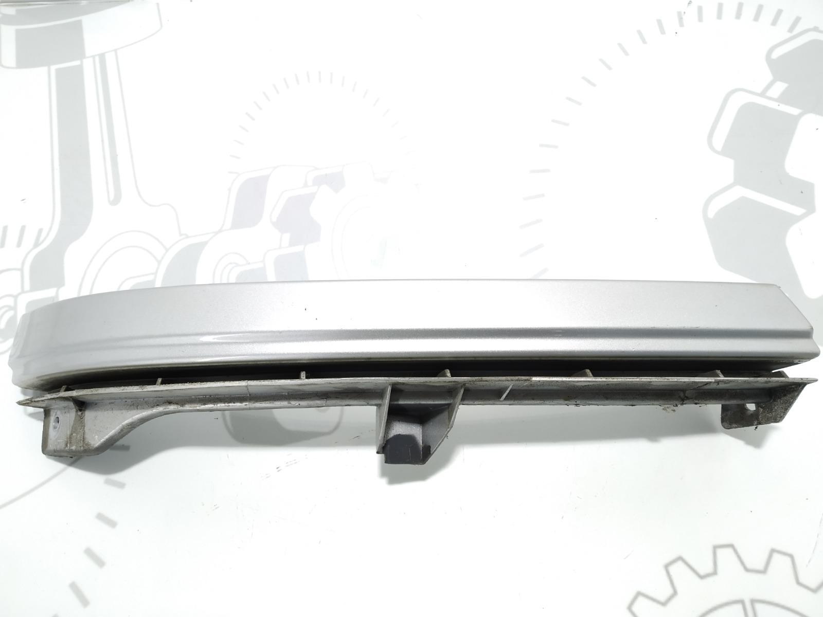 Накладка (ресничка) правой фары Opel Zafira A 1.6 I 2004 (б/у)