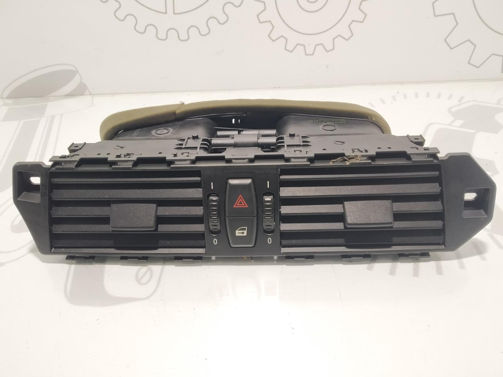 Дефлектор обдува салона Bmw 5 E60 3.0 I 2004 (б/у)