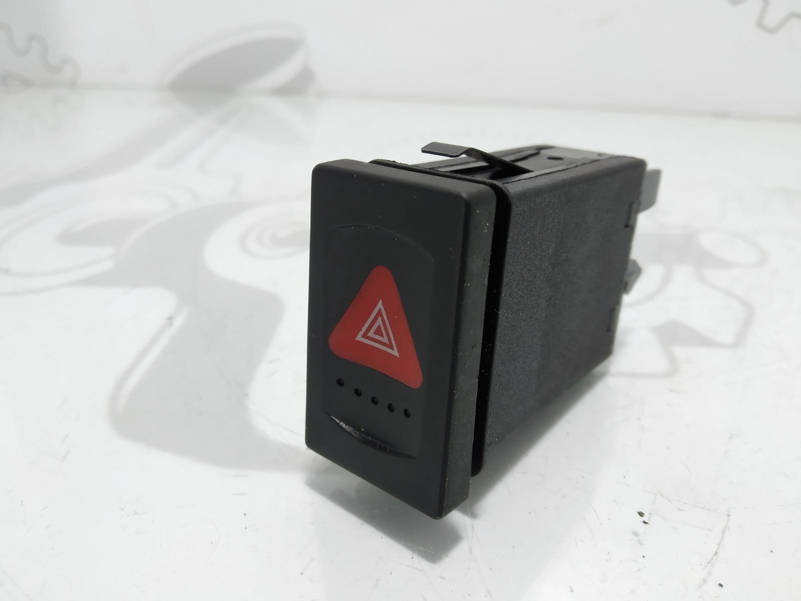 Кнопка аварийной сигнализации Volkswagen Passat B5 2.0 I 2002 (б/у)