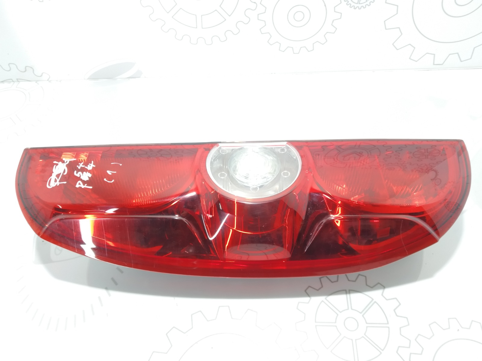Фонарь задний левый Opel Combo D 1.3 CDTI 2014 (б/у)