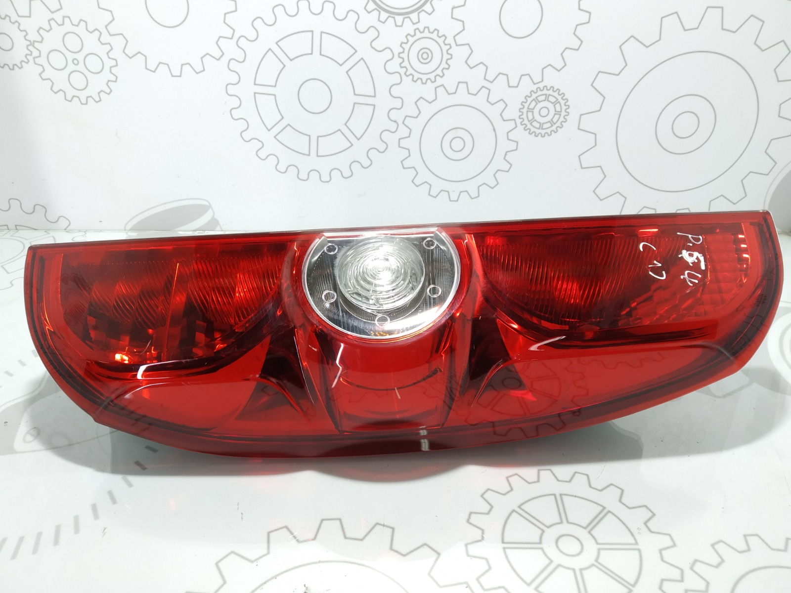 Фонарь задний правый Opel Combo D 1.3 CDTI 2014 (б/у)