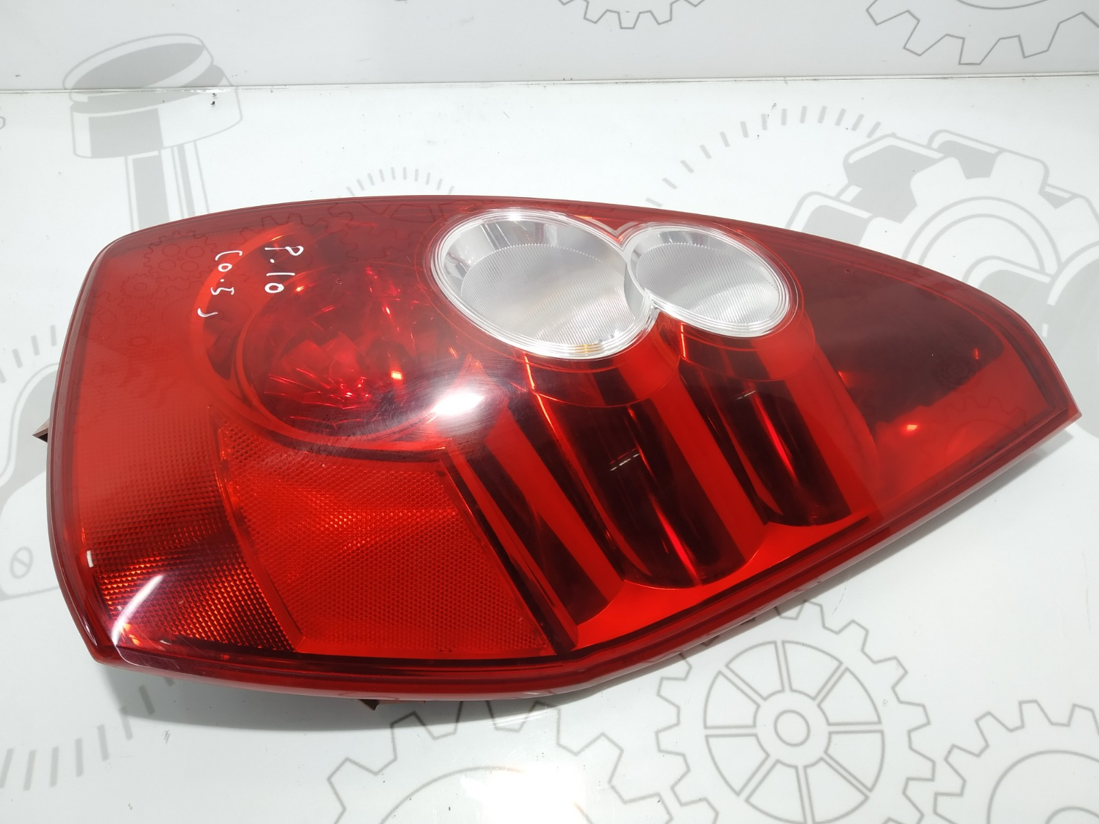 Фонарь задний правый Mazda 5 2.0 TD 2006 (б/у)