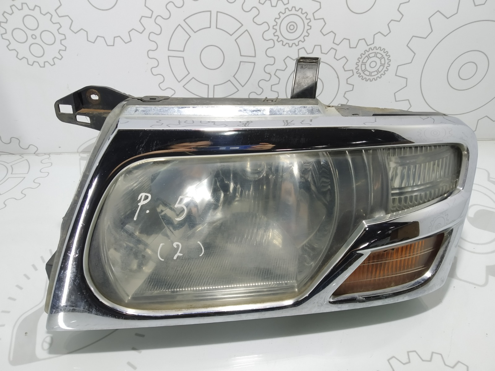 Фара левая Mitsubishi Pajero 3.2 DID 2003 (б/у)