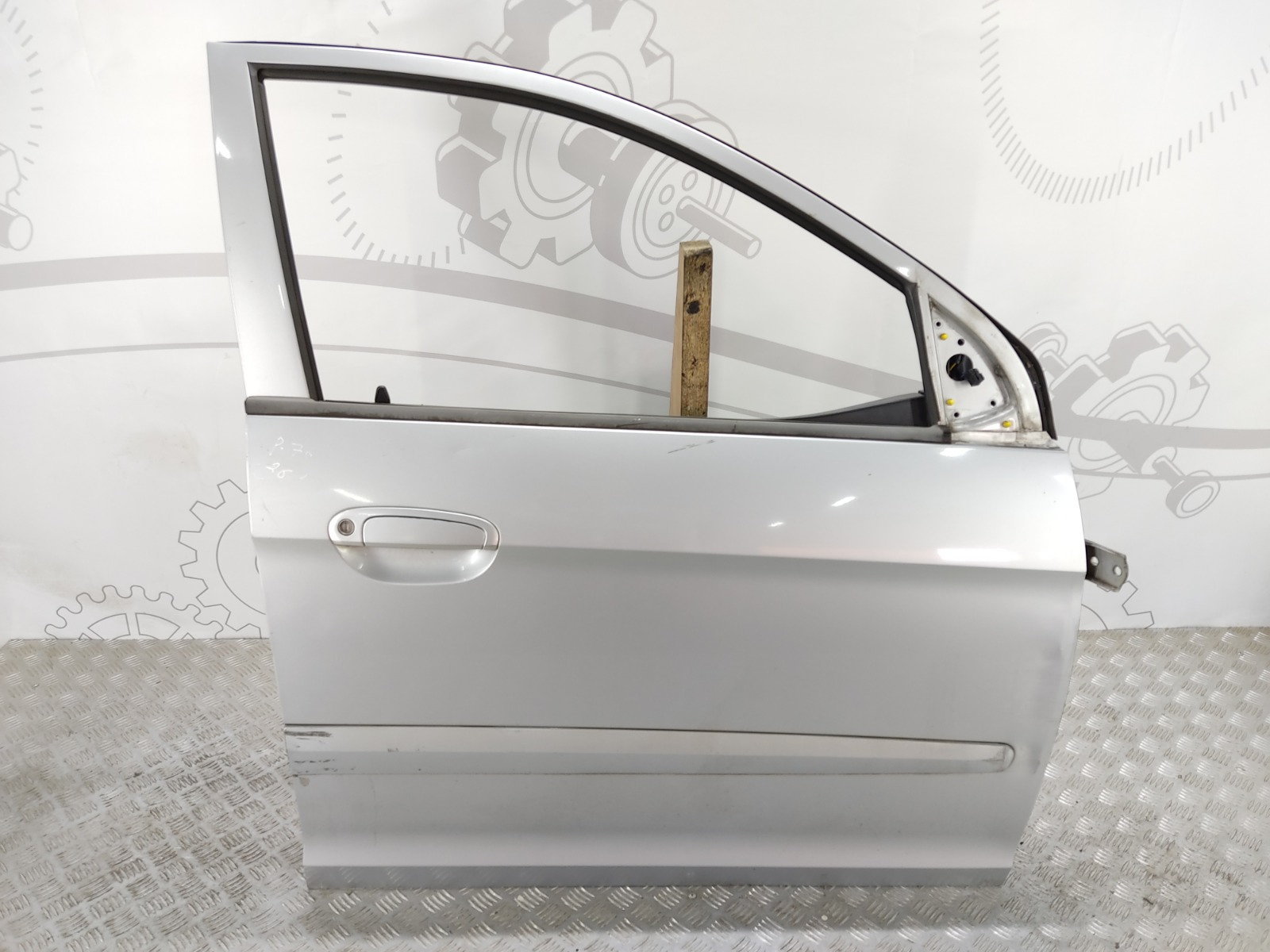 Дверь передняя правая Kia Picanto 1.1 I 2004 (б/у)