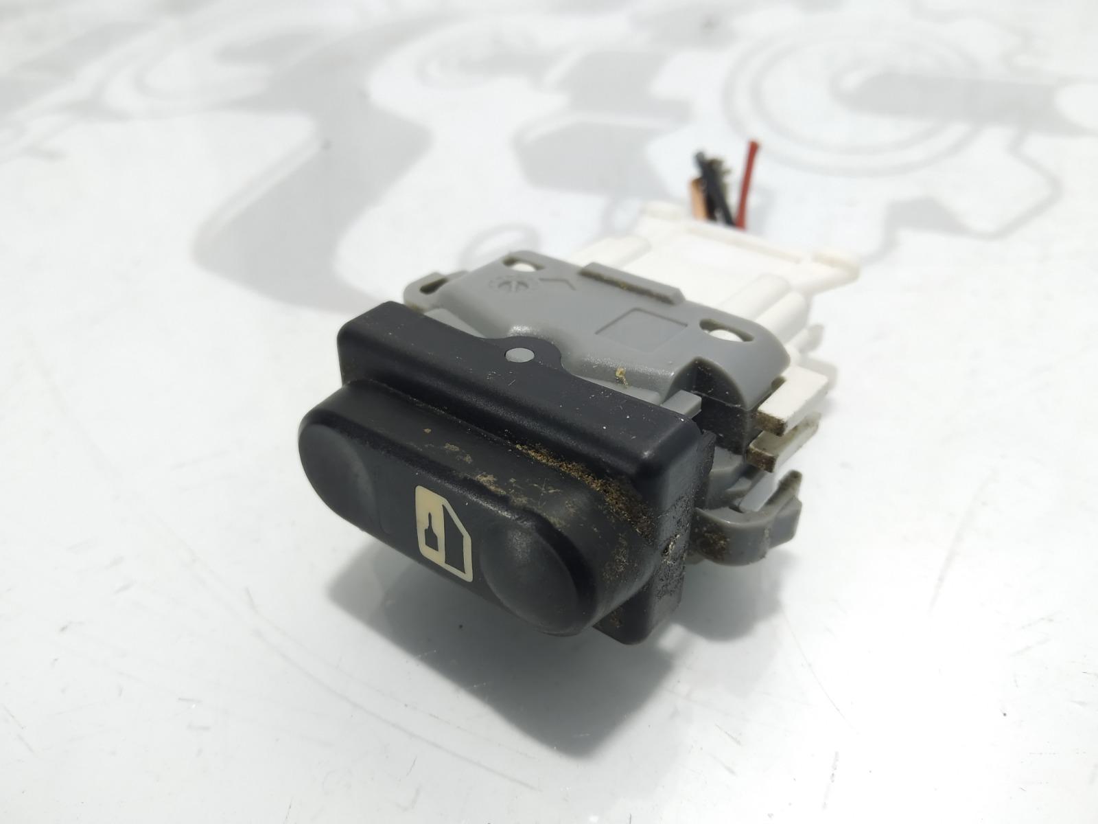 Кнопка центрального замка Nissan Qashqai 2.0 DCI 2008 (б/у)