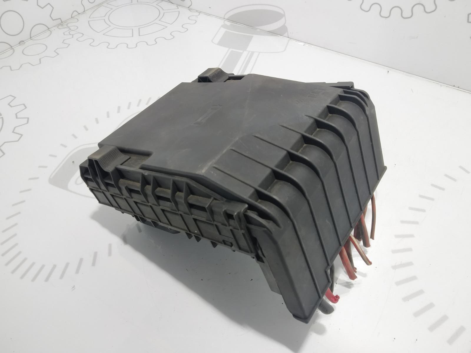 Блок предохранителей Volkswagen Passat B6 2.0 TDI 2005 (б/у)