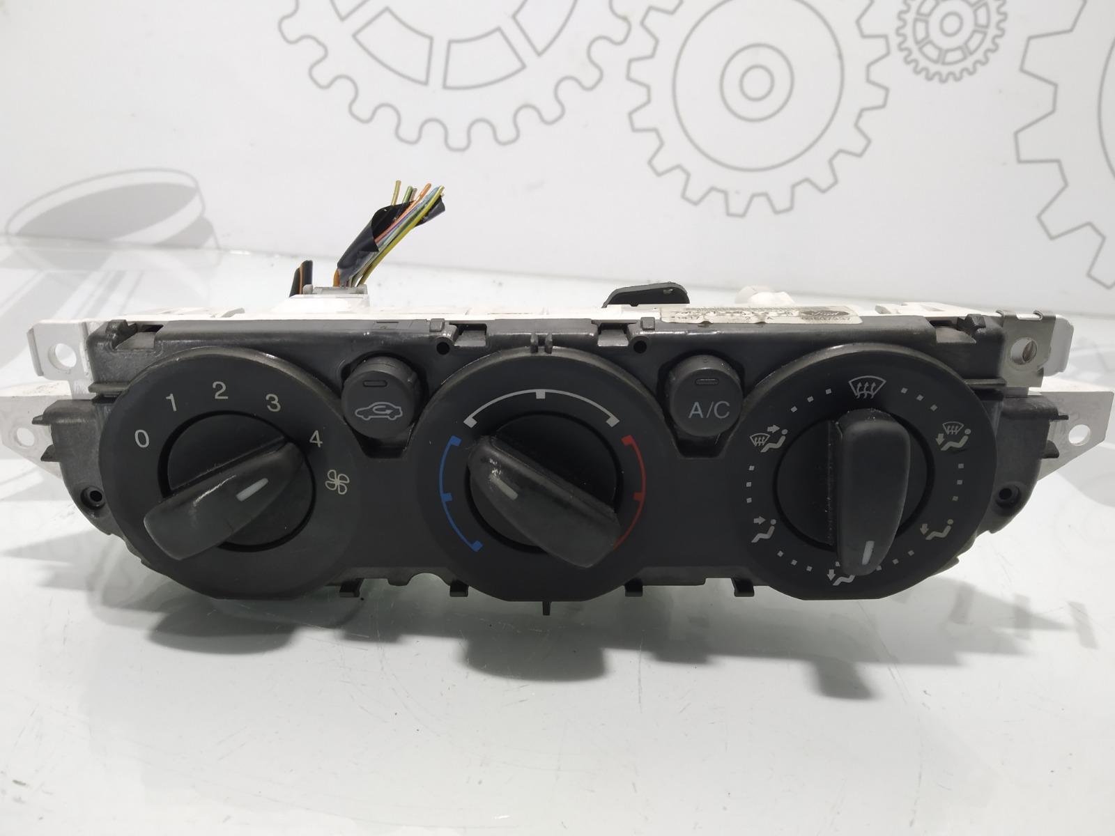 Блок управления печки/климат-контроля Ford Focus 1.8 TDCI 2009 (б/у)