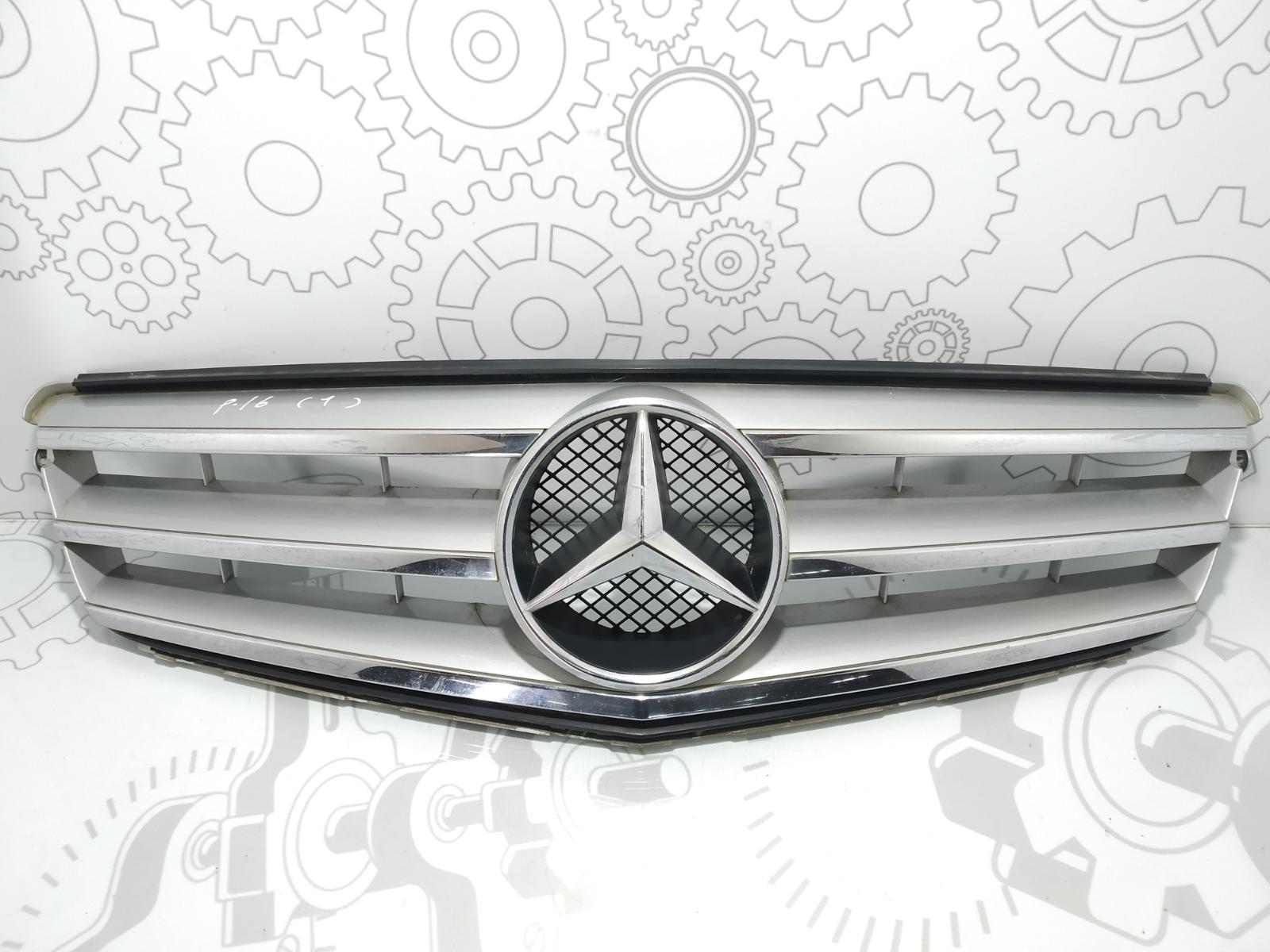 Решетка радиатора Mercedes C W204 2.2 CDI 2007 (б/у)