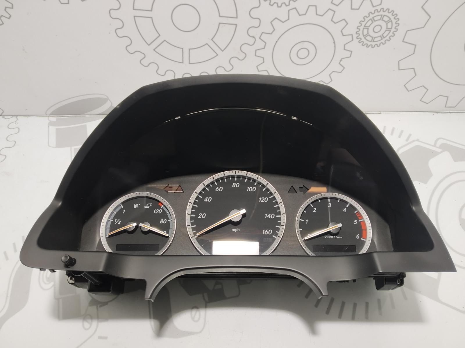 Щиток приборов (приборная панель) Mercedes C W204 2.2 CDI 2007 (б/у)