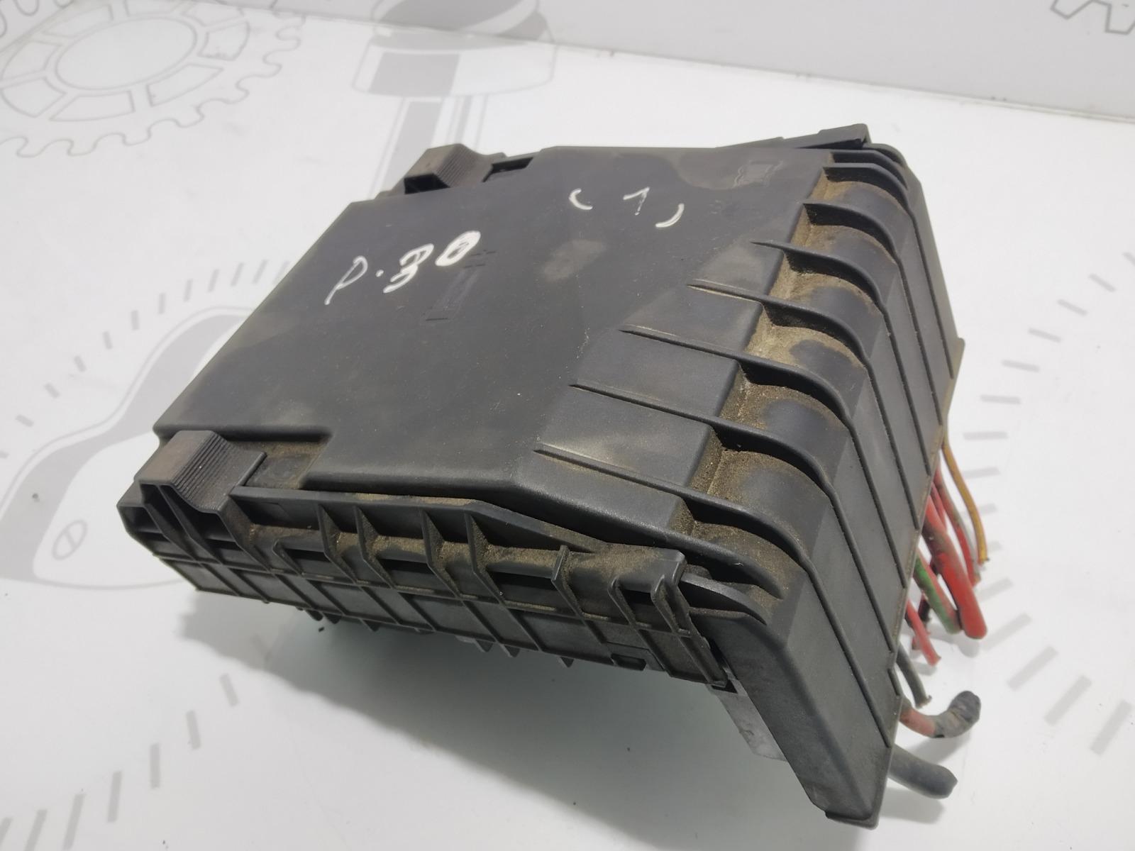 Блок предохранителей Volkswagen Passat B6 2.0 TDI 2007 (б/у)