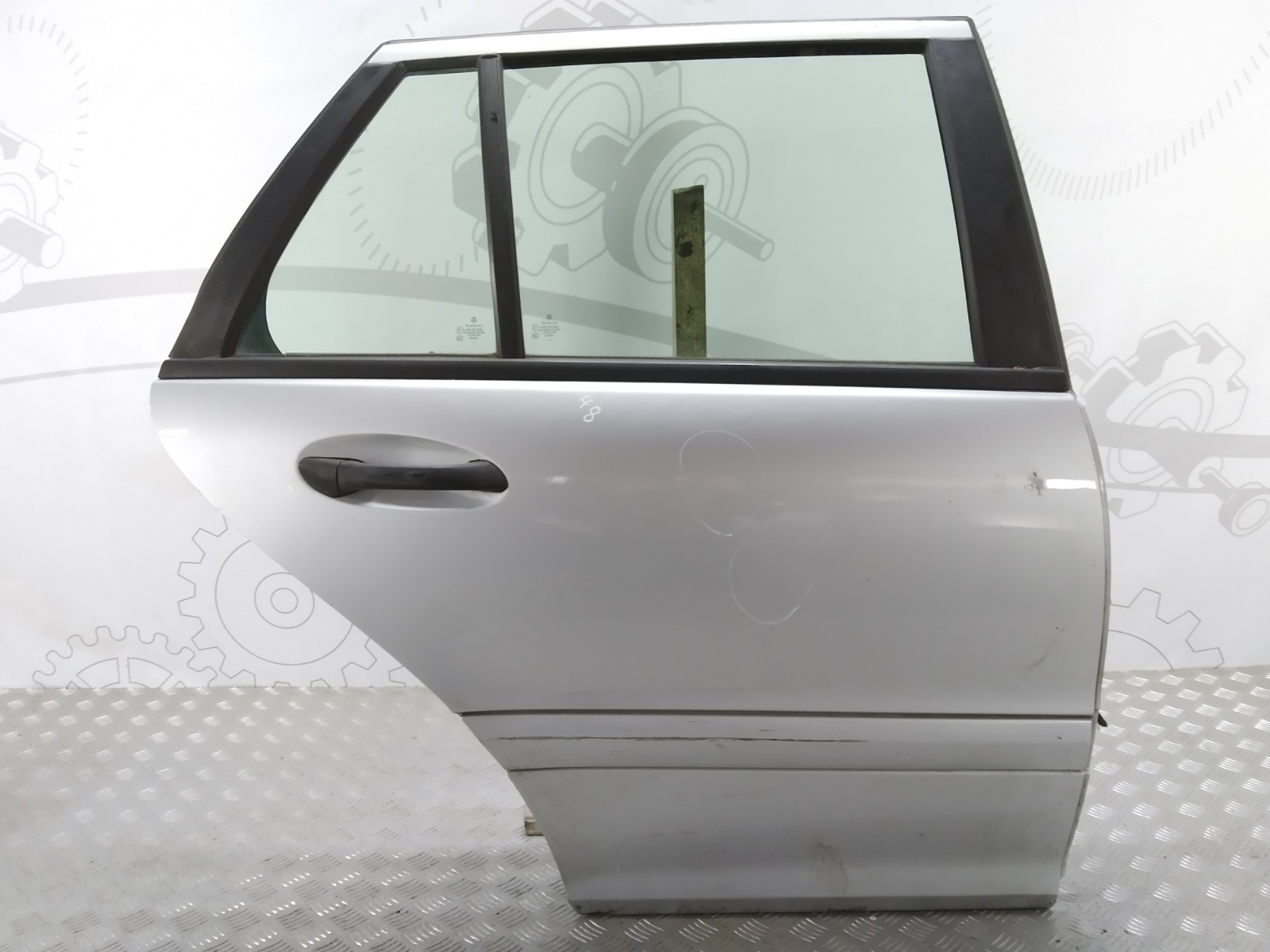 Дверь задняя правая Mercedes C W203 1.8 I 2004 (б/у)