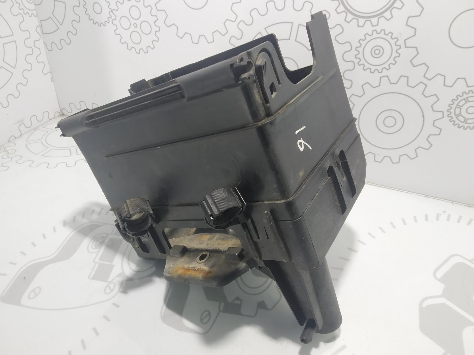 Полка аккумулятора Volkswagen Polo 1.2 I 2003 (б/у)