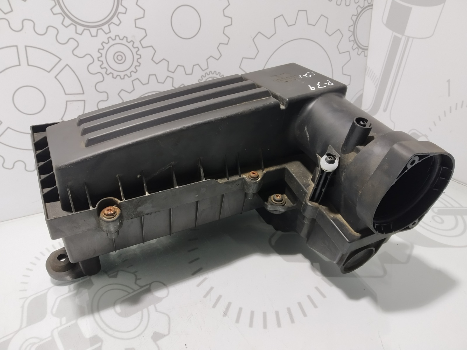Корпус воздушного фильтра Volkswagen Passat B6 2.0 TDI 2005 (б/у)